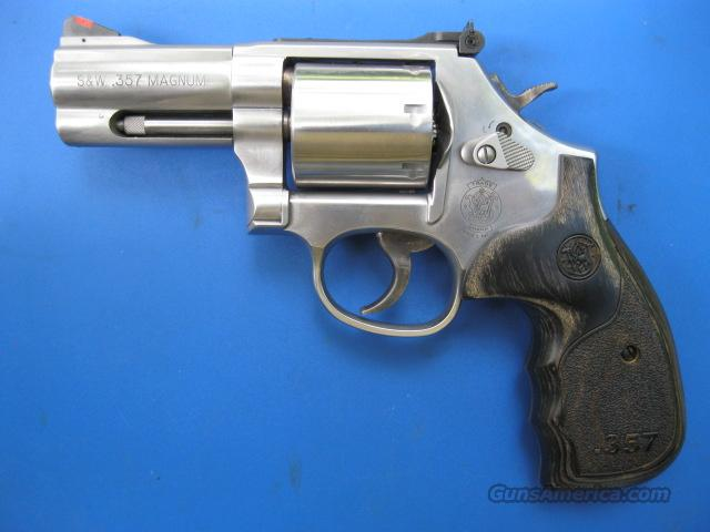 """Smith & Wesson 686 Plus Deluxe 3"""" LIMITED Ed. *NEW* 150853  Guns > Pistols > Smith & Wesson Revolvers > Full Frame Revolver"""