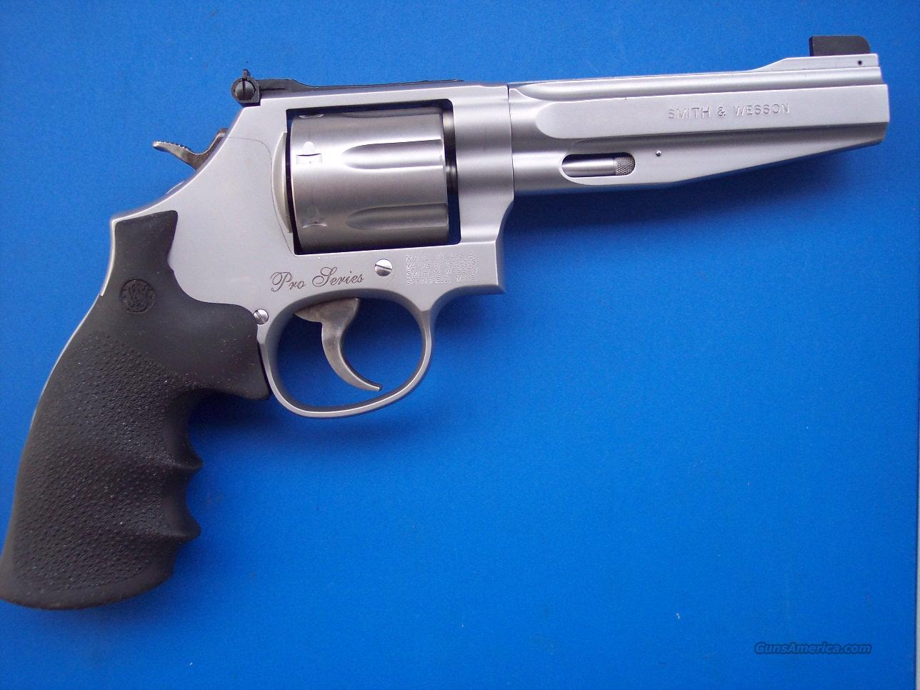 Smith & Wesson Pro Series 686 7-shot Moon Clip *NEW*  Guns > Pistols > Smith & Wesson Revolvers > Performance Center