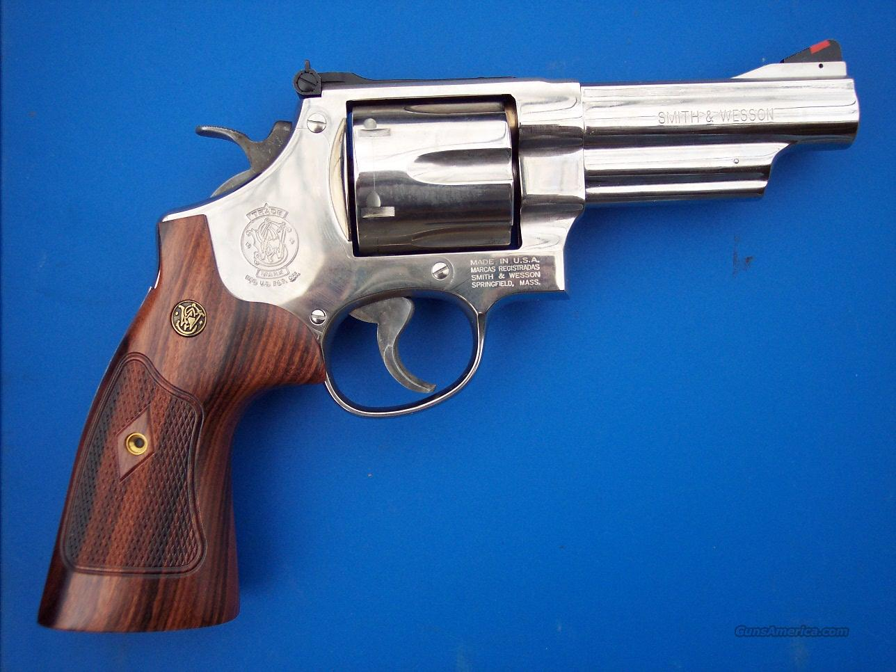 Smith & Wesson 29 Classic Nickel 44 Mag  Guns > Pistols > Smith & Wesson Revolvers > Full Frame Revolver