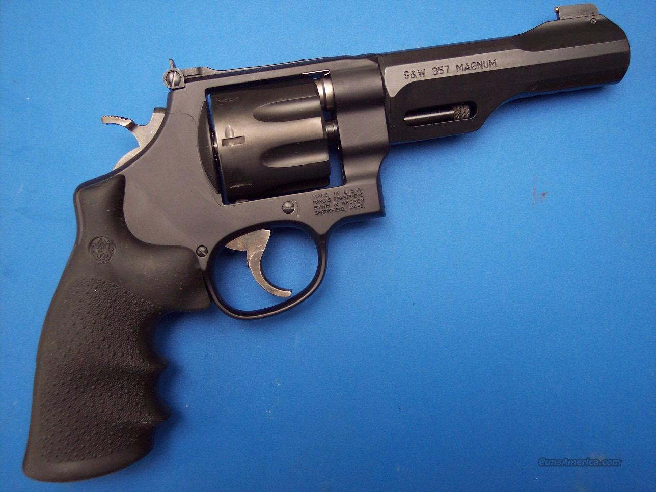 Smith & Wesson 327 TRR8 Performance Center .357 Mag *NEW*  Guns > Pistols > Smith & Wesson Revolvers > Performance Center