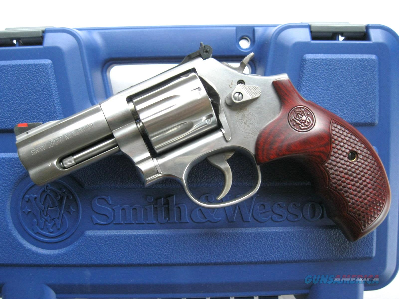 "Smith & Wesson 686 Plus Deluxe 3"" LIMITED 150713 *NEW*  Guns > Pistols > Smith & Wesson Revolvers > Full Frame Revolver"