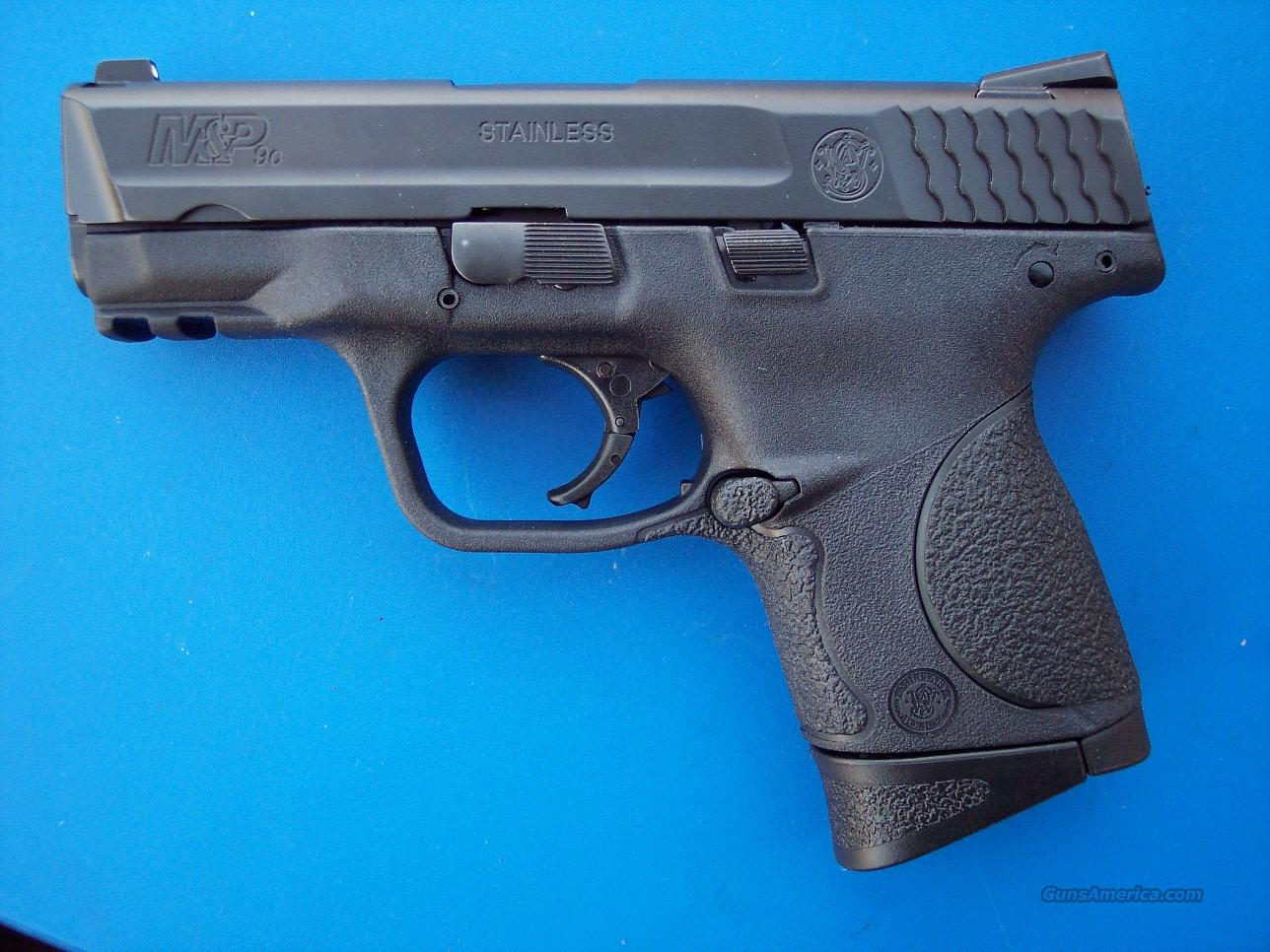Smith & Wesson M&P 9 compact 4 mags NEW  Guns > Pistols > Smith & Wesson Pistols - Autos > Polymer Frame