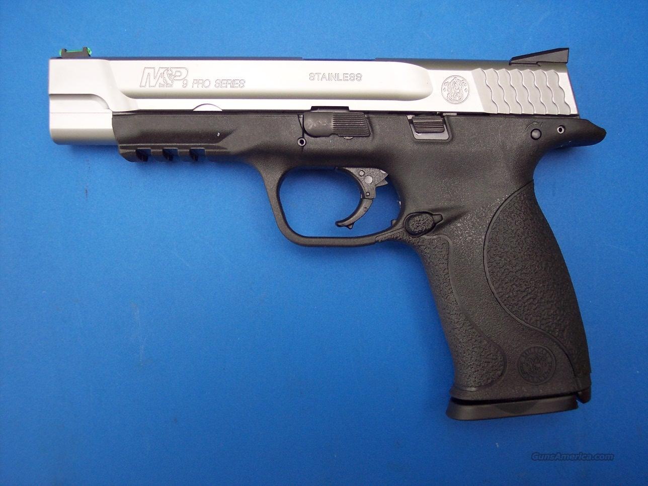 Smith & Wesson 2 Tone Stainless PRO SERIES 9mm 4 mags NEW  Guns > Pistols > Smith & Wesson Pistols - Autos > Polymer Frame