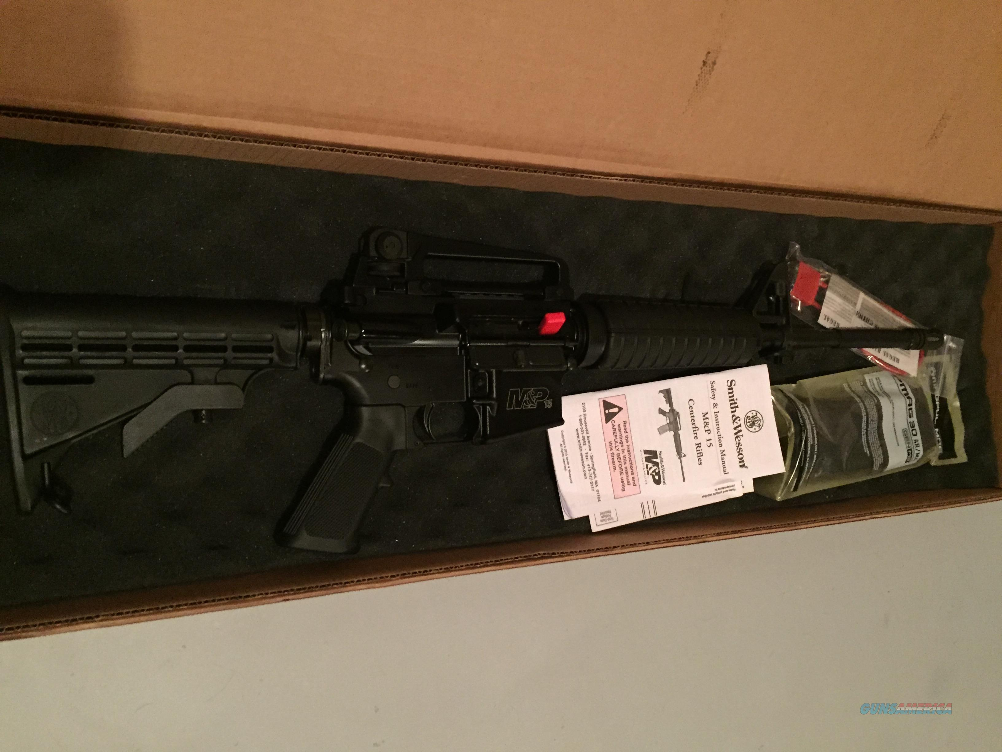 NEW Smith & Wesson M&P 15 semi auto rifle AR15 223 5.56    811000 with detachable carry handle  Guns > Rifles > Smith & Wesson Rifles > M&P