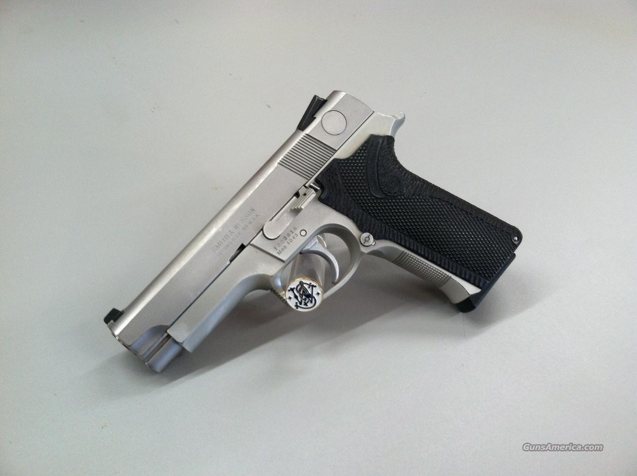 Smith & Wesson 4043  Guns > Pistols > Smith & Wesson Pistols - Autos > Steel Frame