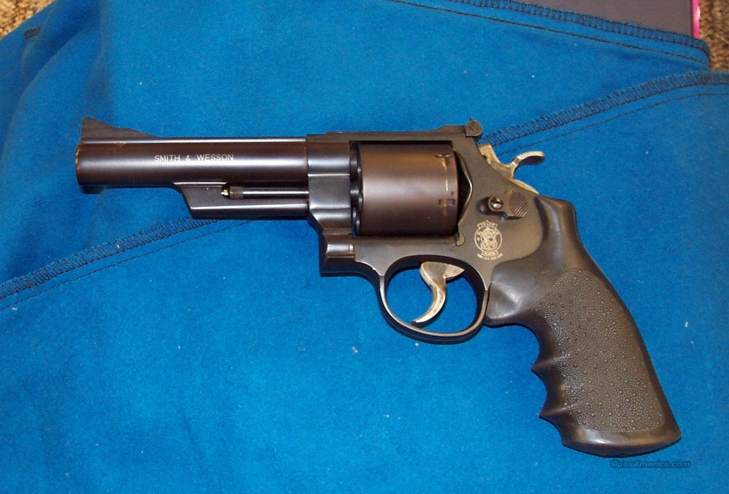 Smith & Wesson 25-7  Guns > Pistols > Smith & Wesson Revolvers > Full Frame Revolver
