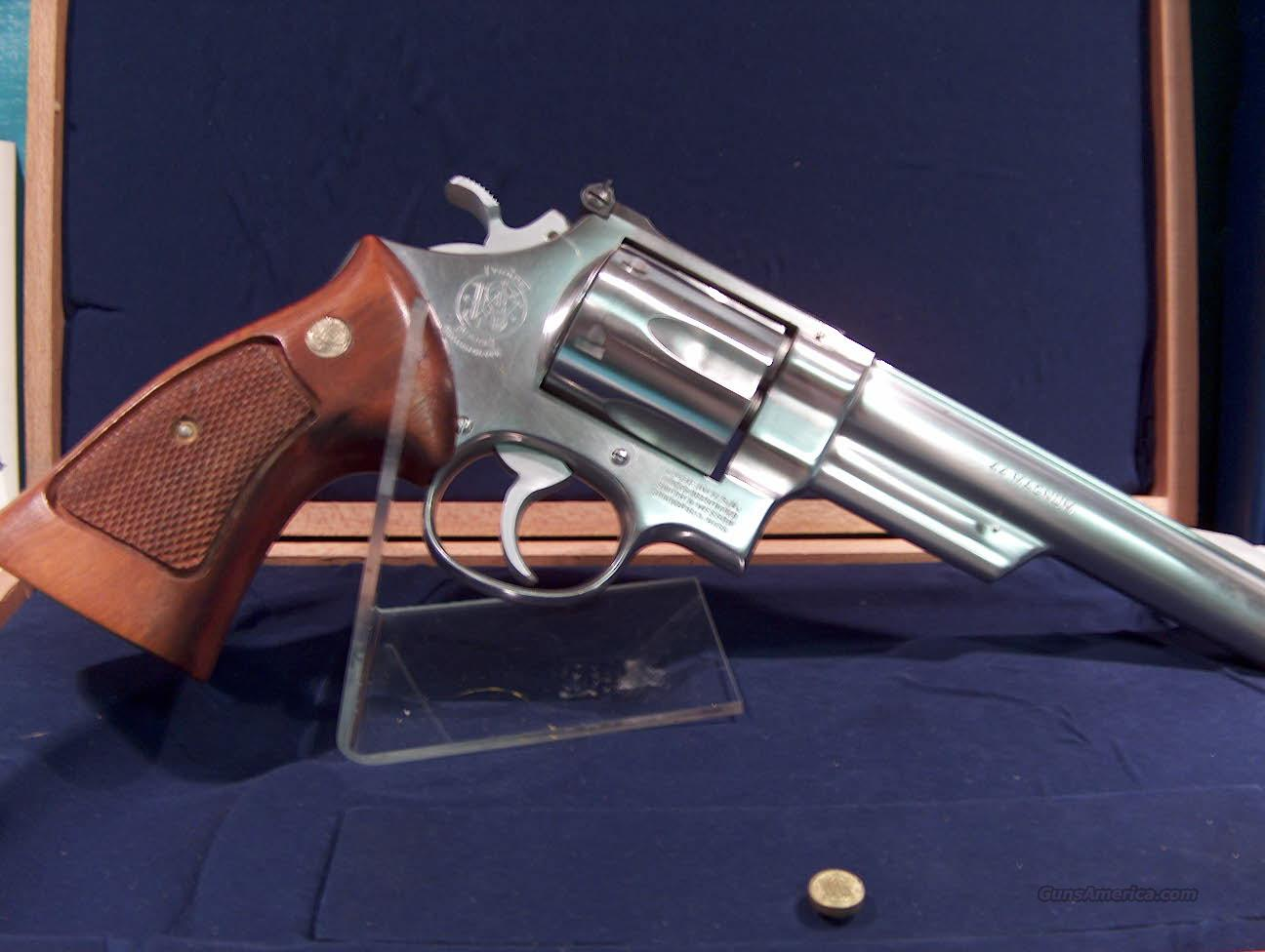 SMITH & WESSON - STAINLESS - MODEL 62-9 - CAL 44 MAG - W/ DISPLAY CASE  Guns > Pistols > Smith & Wesson Revolvers > Full Frame Revolver