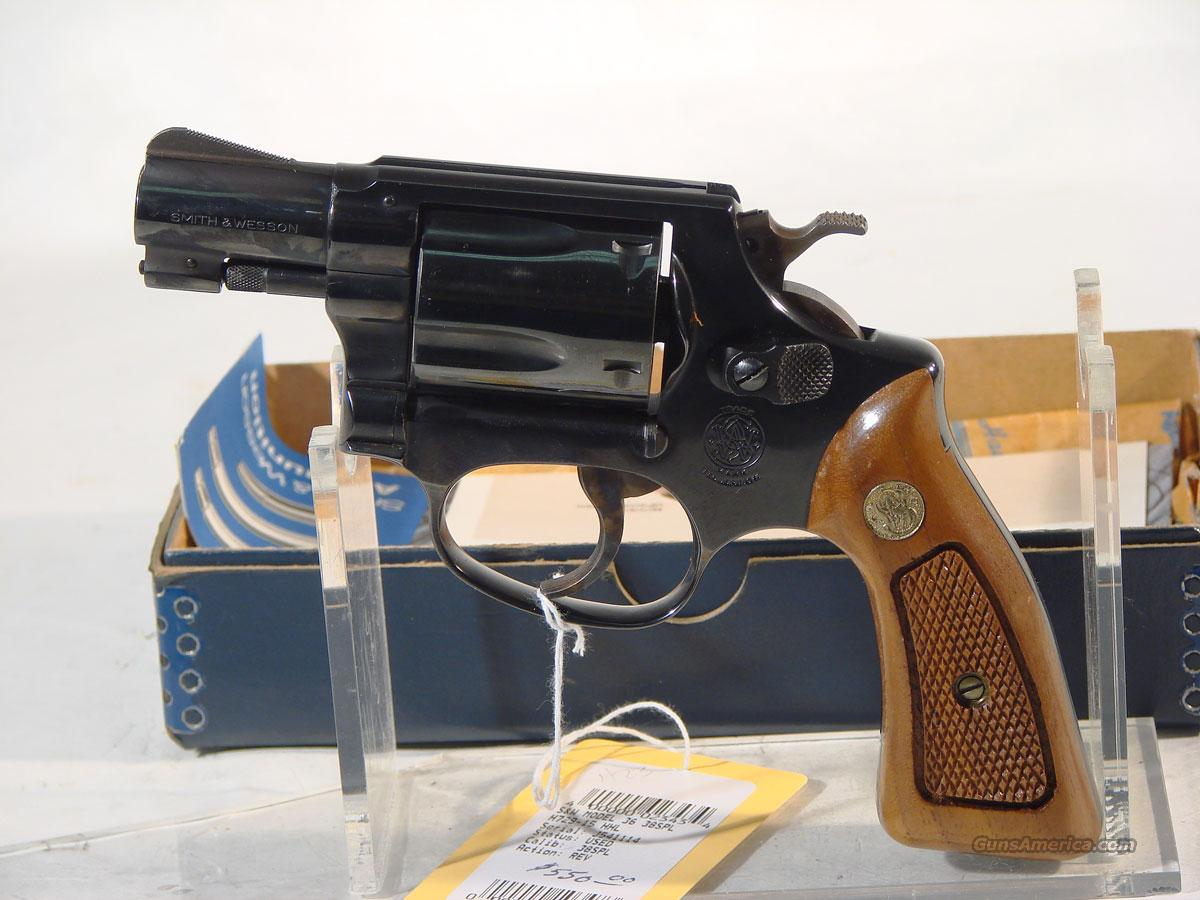 S&W Model 36 W/orginal box and holster  Guns > Pistols > Smith & Wesson Revolvers > Pocket Pistols