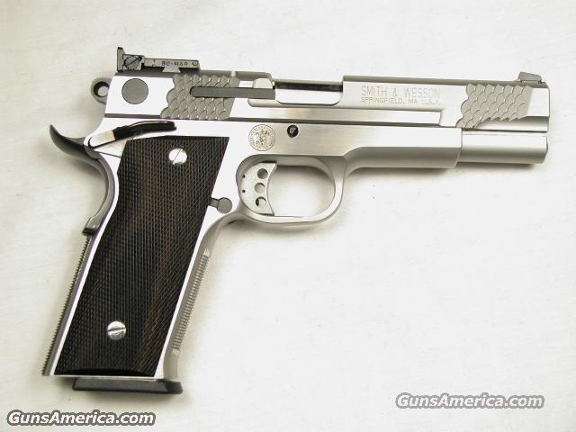 945  Guns > Pistols > Smith & Wesson Pistols - Autos