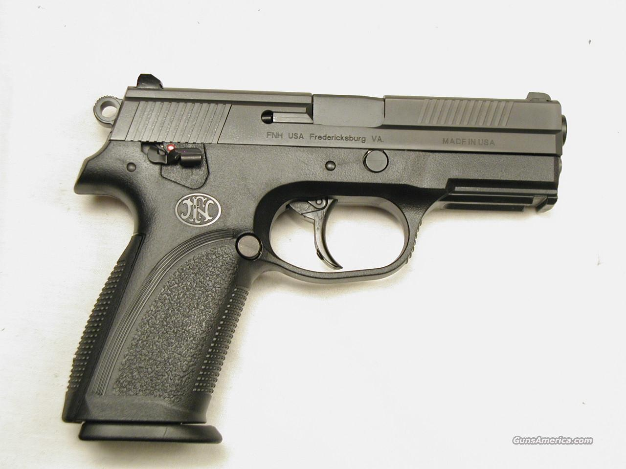 FNP 40 WITH SAFETY AND DECOCKING LEVER AND 3 MAGS  Guns > Pistols > FNH - Fabrique Nationale (FN) Pistols > FNP