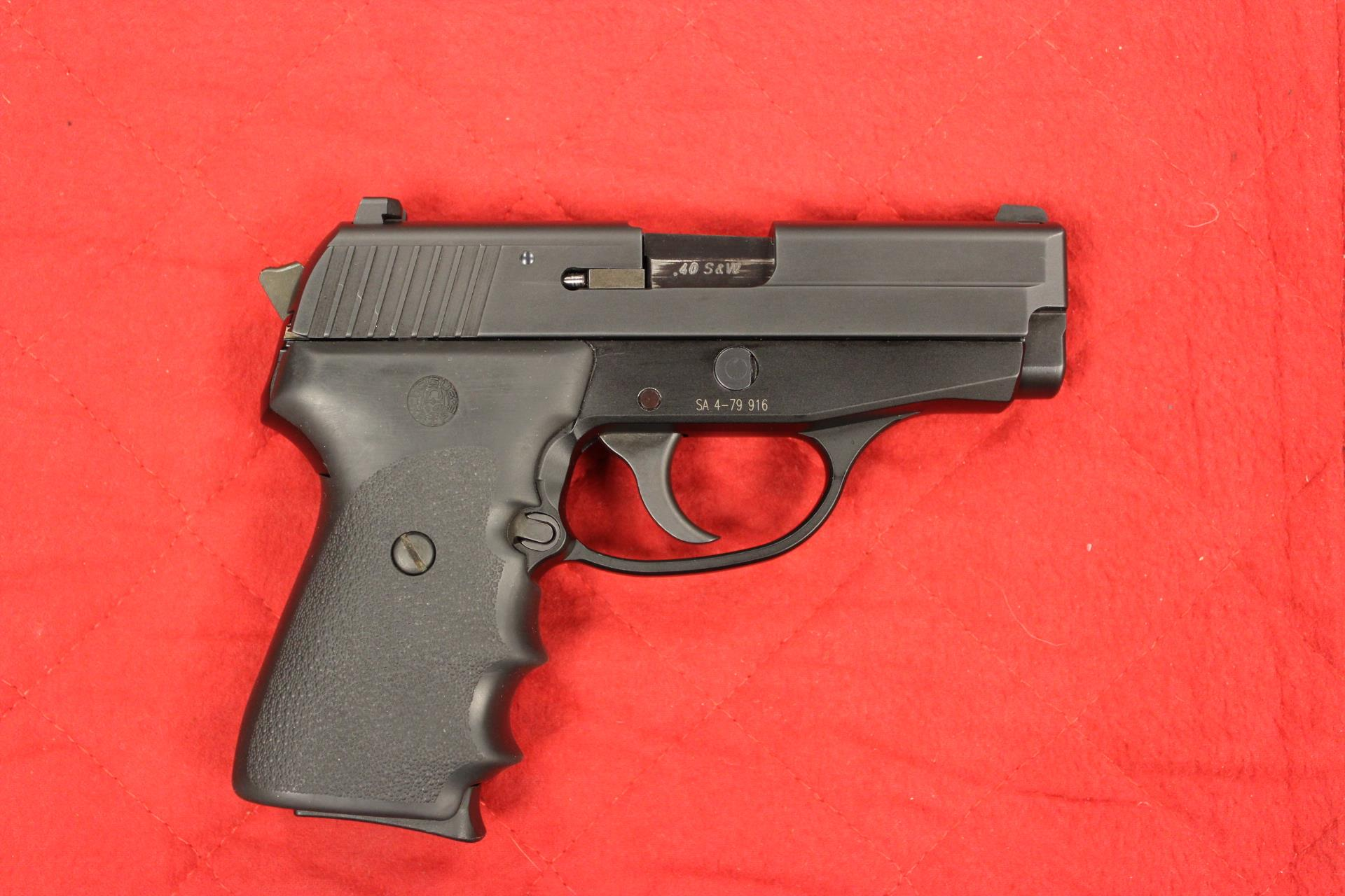 Sig P239 40 S&W with nite sites  Guns > Pistols > Sig - Sauer/Sigarms Pistols > P239