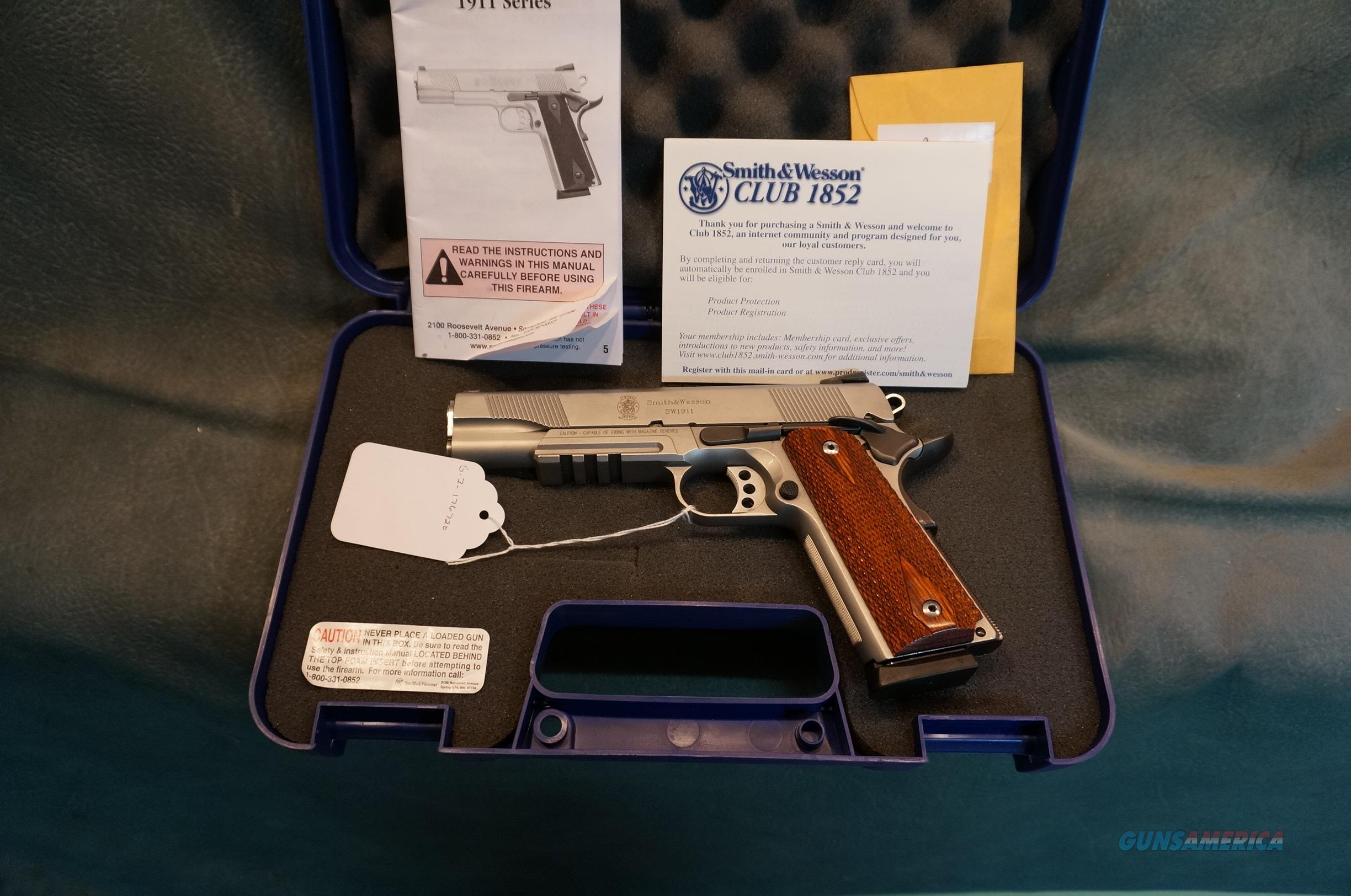 S+W 1911 45ACP stainless steel  Guns > Pistols > Smith & Wesson Pistols - Autos > Steel Frame