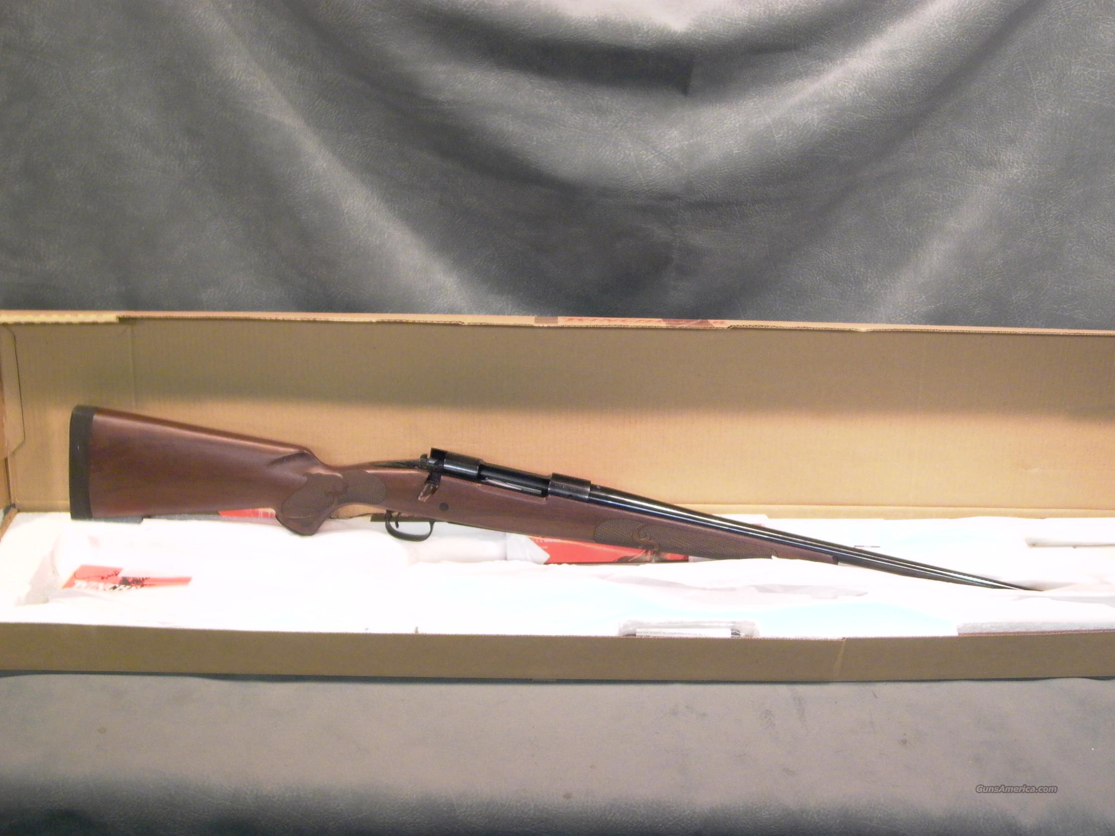 Winchester M70 Classic Featherweight 300WSM  Guns > Rifles > Winchester Rifles - Modern Bolt/Auto/Single > Model 70 > Post-64