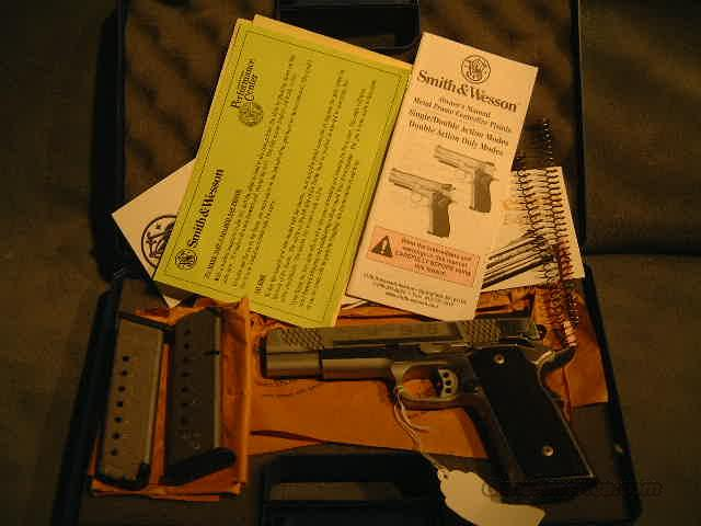 S+W 945-1 45ACP  Guns > Pistols > Smith & Wesson Pistols - Autos > Steel Frame
