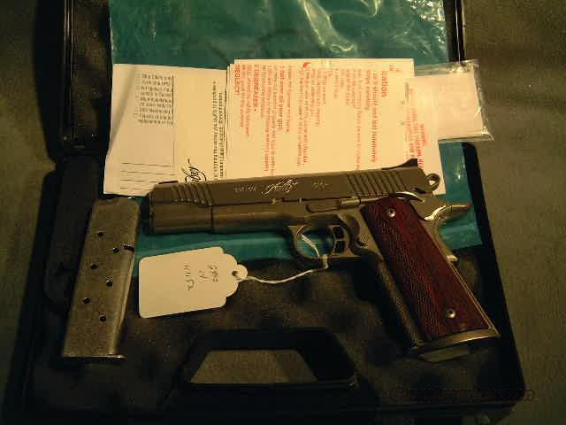Kimber Gold Combat 45ACP  Guns > Pistols > Kimber of America Pistols