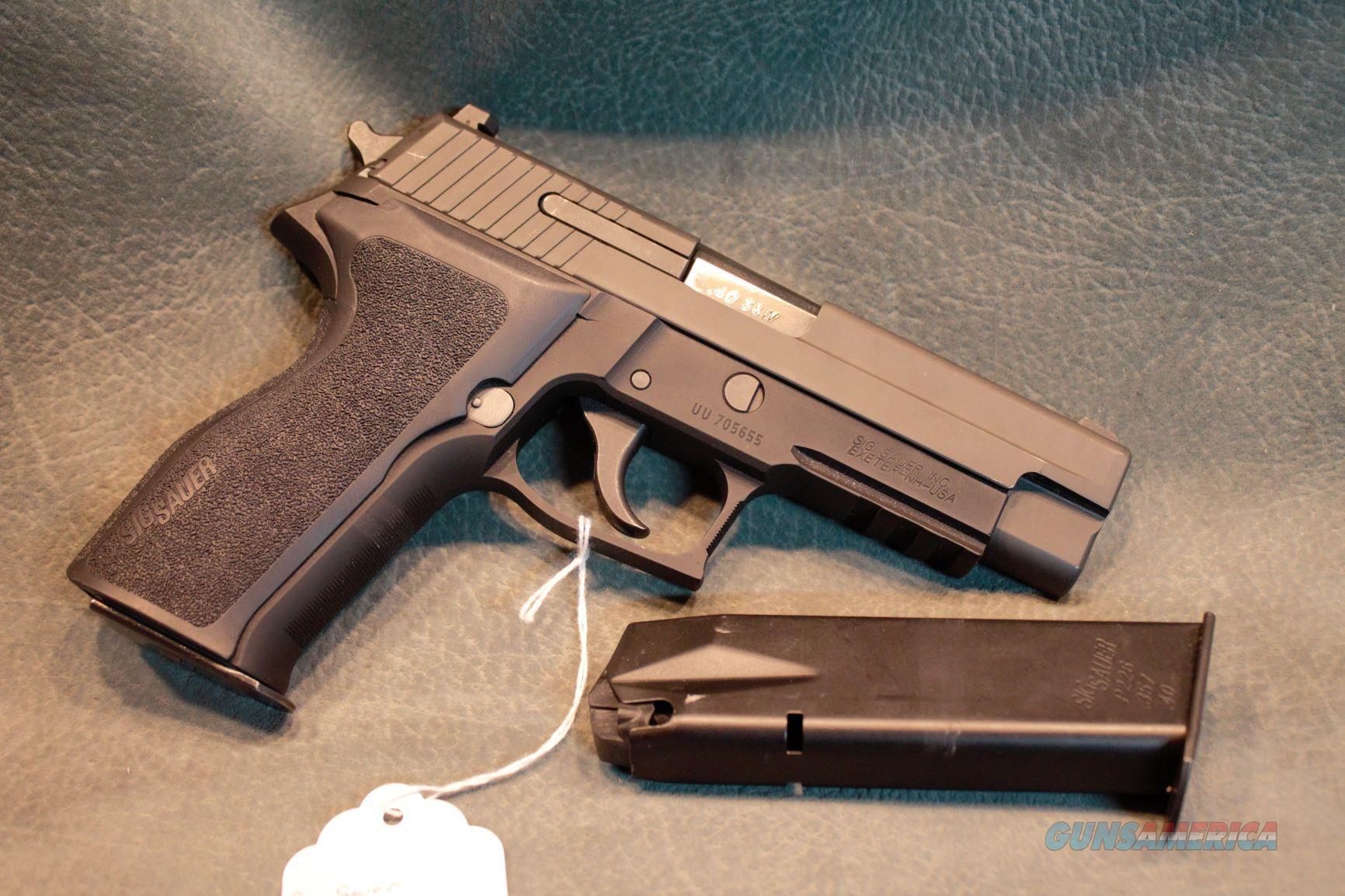 Sig Sauer P226 40 S&W  Guns > Pistols > Sig - Sauer/Sigarms Pistols > P226