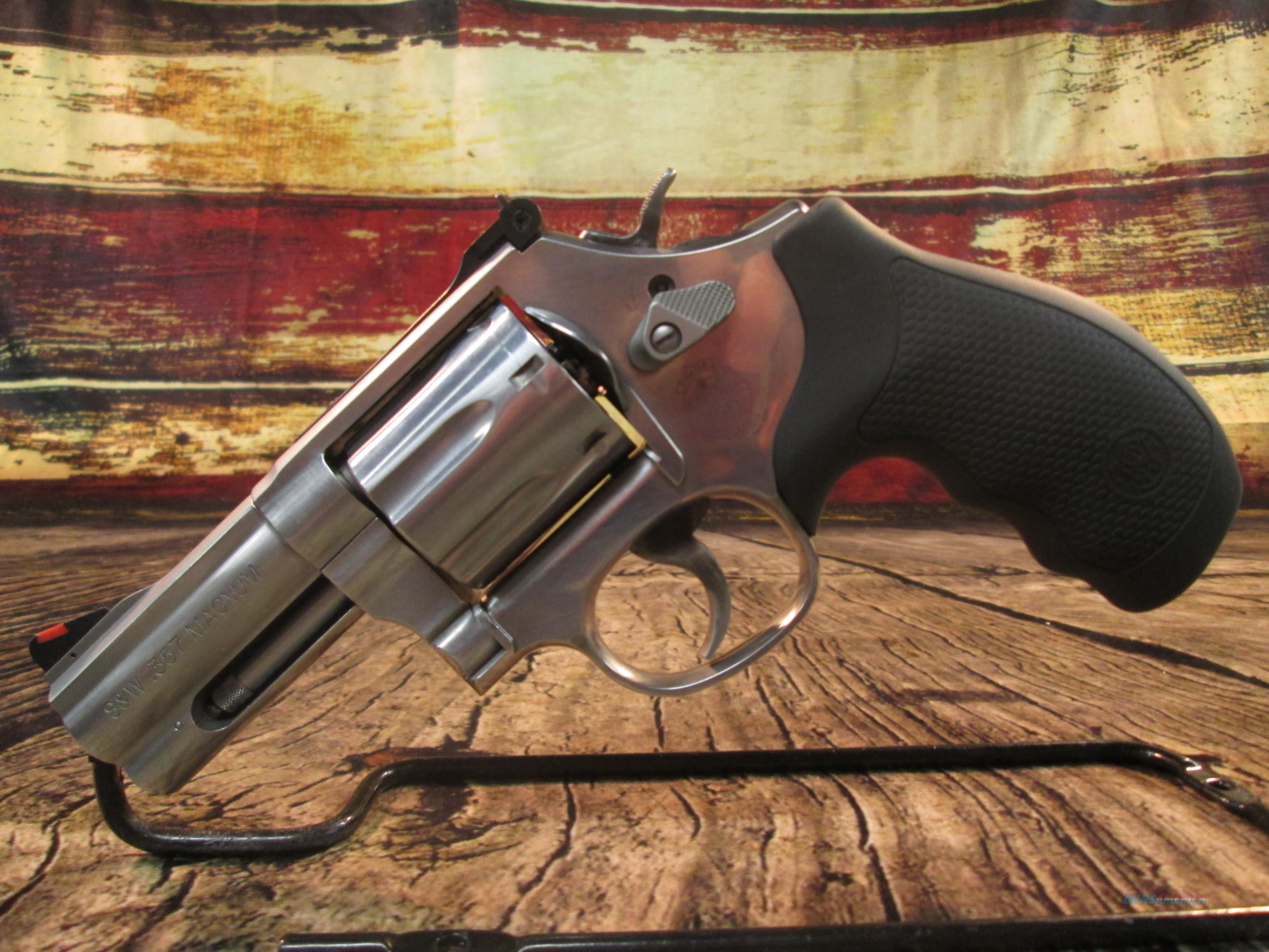 """SMITH & WESSON 686 3"""" LIKE NEW (64042)  Guns > Pistols > Smith & Wesson Revolvers > Med. Frame ( K/L )"""
