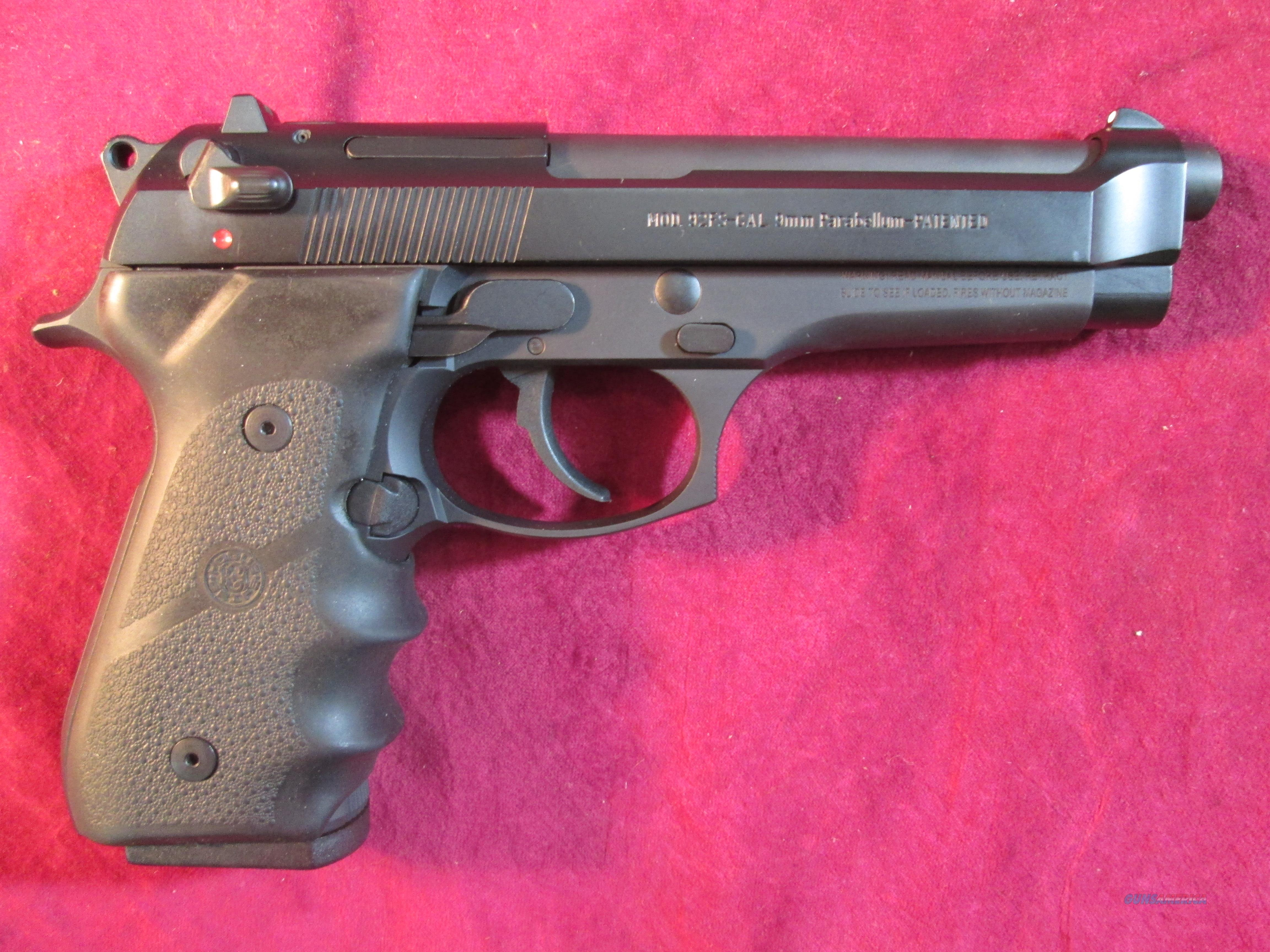 BERETTA 92FS 9MM W/ HOGUE GRIP AND 10 ROUND MAGS USED  Guns > Pistols > Beretta Pistols > Model 92 Series