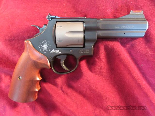 SMITH AND WESSON 329 PD 44 MAG TITANIUM NEW  (163414)   Guns > Pistols > Smith & Wesson Revolvers > Performance Center