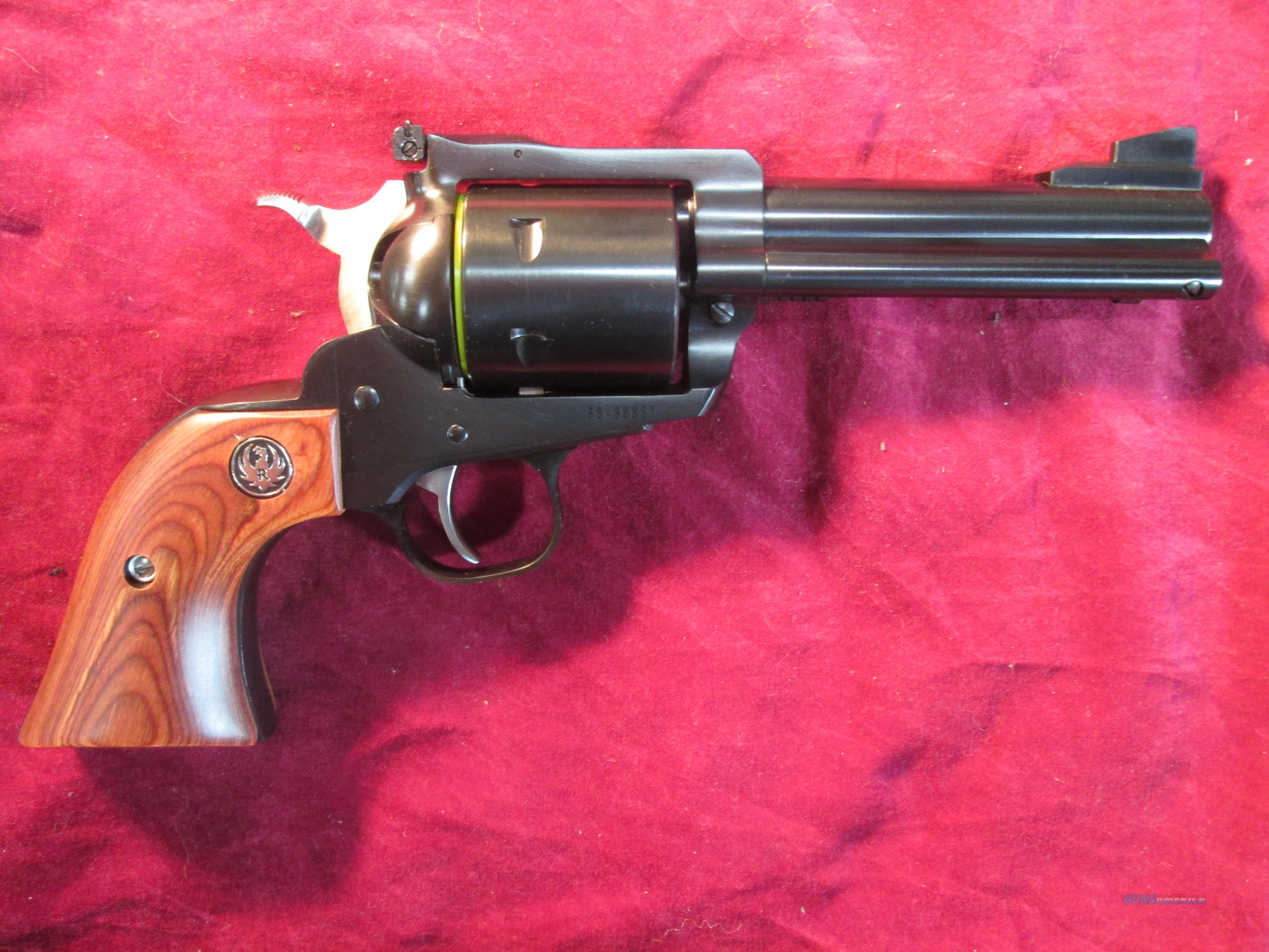 "RUGER SUPER BLACKHAWK 44MAG 4 5/8"" BLUE UNFLUTED NEW (00813)  Guns > Pistols > Ruger Single Action Revolvers > Blackhawk Type"
