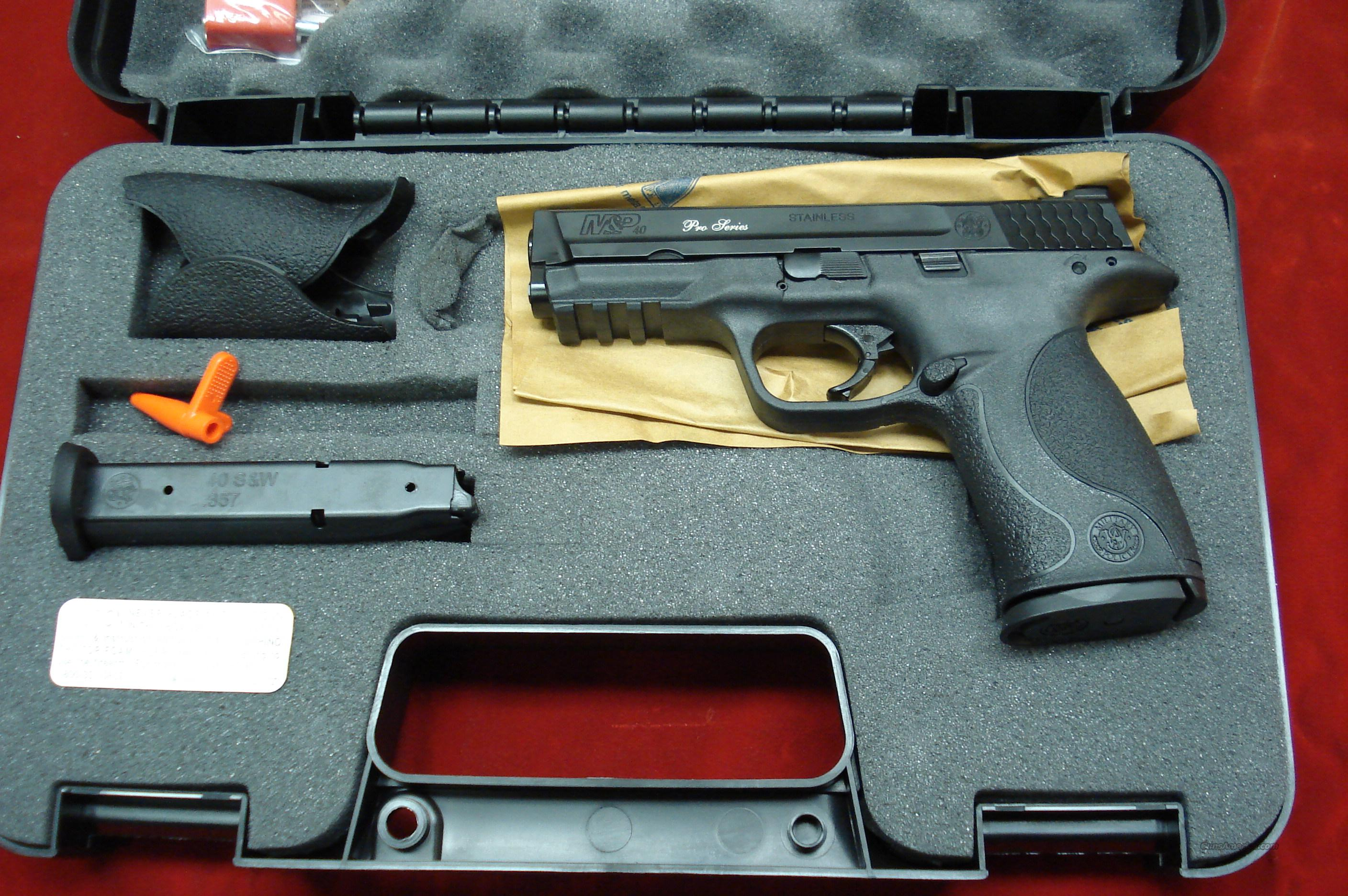 SMITH AND WESSON M&P PRO SERIES .40CAL HIGH/CAP WITH NIGHT SIGHTS NEW   Guns > Pistols > Smith & Wesson Pistols - Autos > Polymer Frame