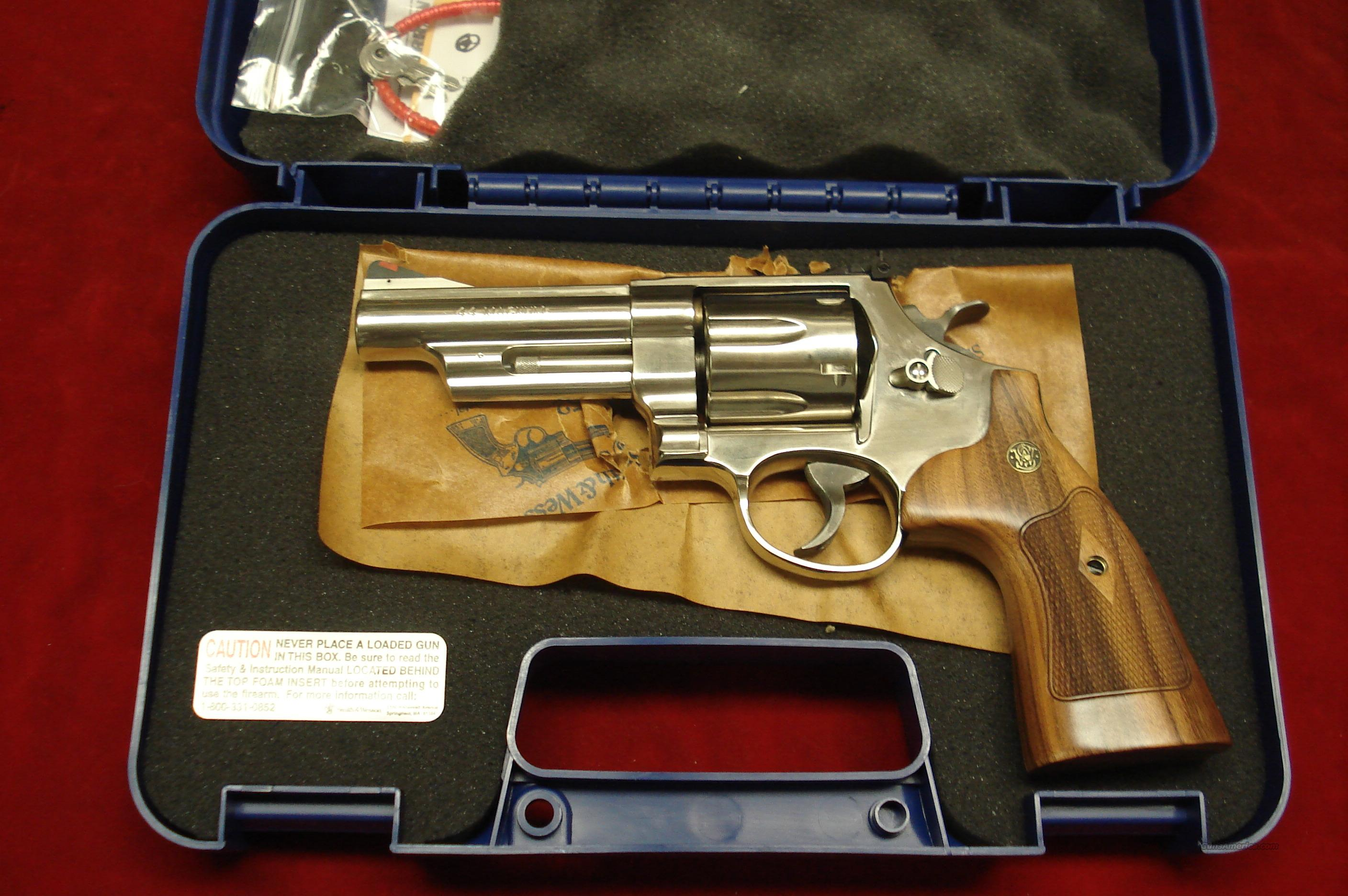 "SMITH AND WESSON MODEL 29 CLASSIC NICKEL 44 MAG. 4""  NEW  Guns > Pistols > Smith & Wesson Revolvers > Model 629"