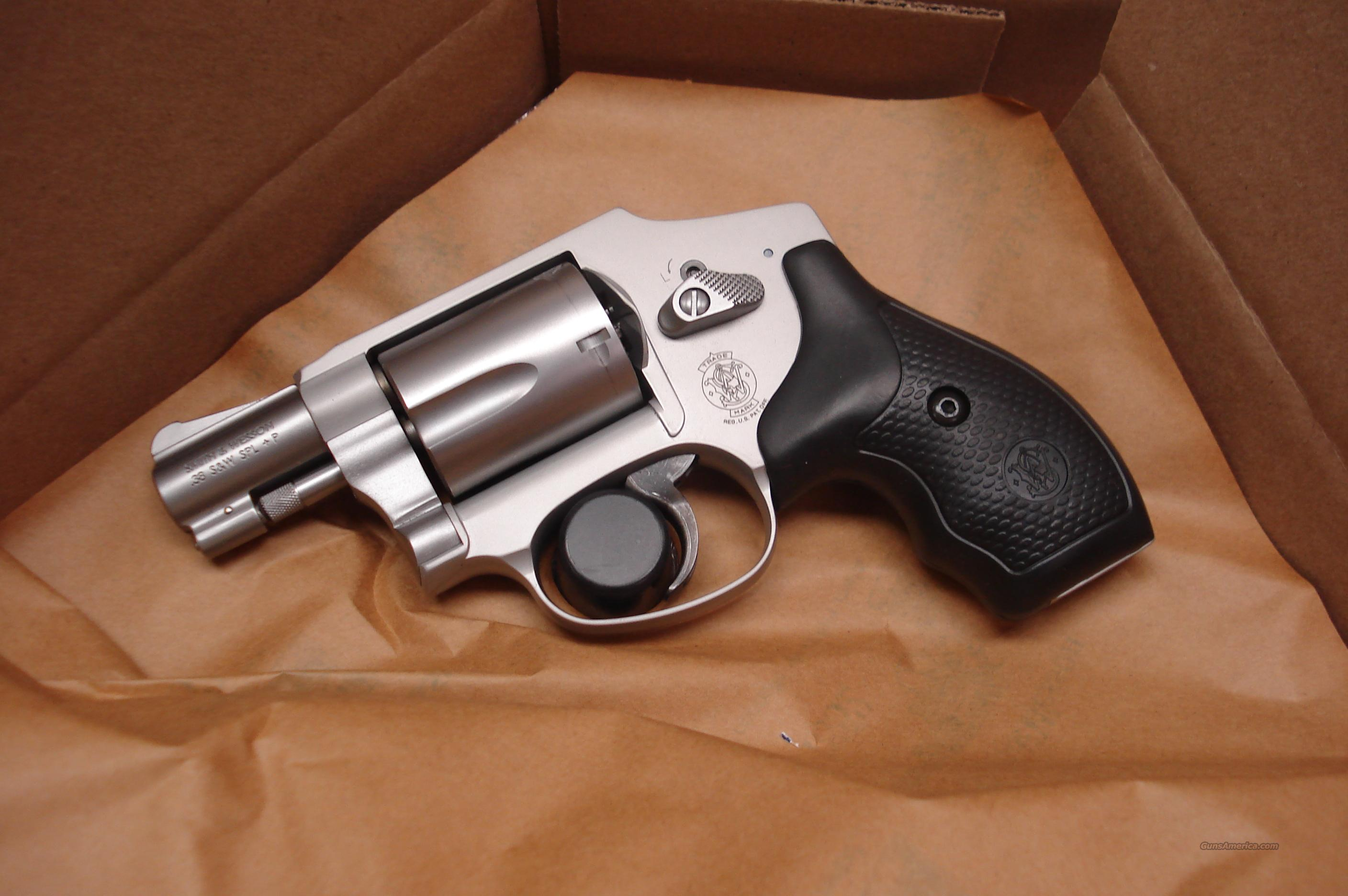 SMITH AND WESSON 642 AIRWEIGHT NEW (163810)   Guns > Pistols > Smith & Wesson Revolvers > Pocket Pistols