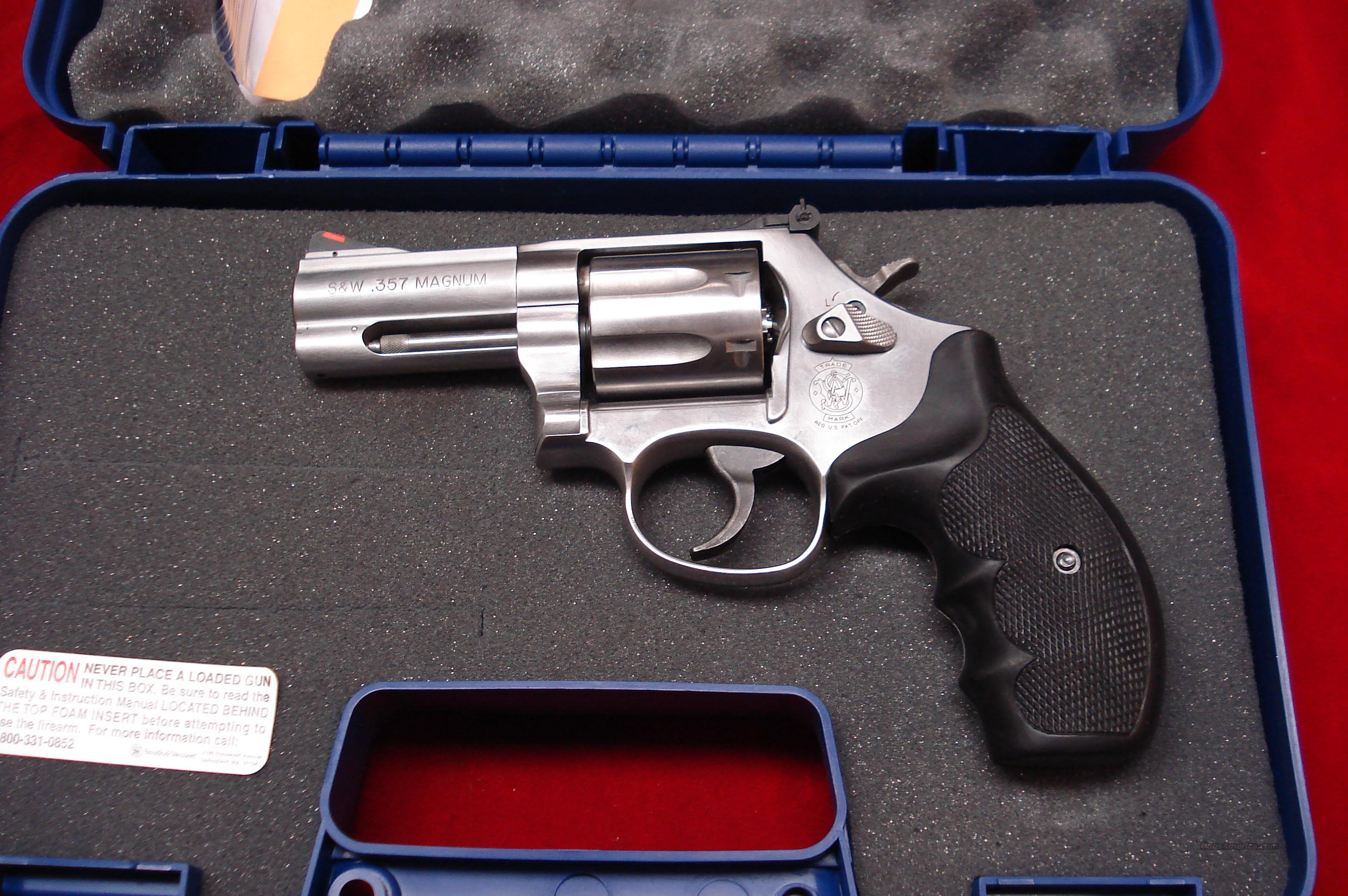 "SMITH AND WESSON MODEL 686 PLUS 3"" 357MAG STAINLESS NEW (164300)   Guns > Pistols > Smith & Wesson Revolvers > Full Frame Revolver"