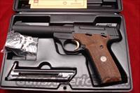BROWNING BUCKMARK CAMPER PRO TARGET 22CAL. WITH CHECKERED WOOD GRIPS NEW  Guns > Pistols > Browning Pistols > Buckmark