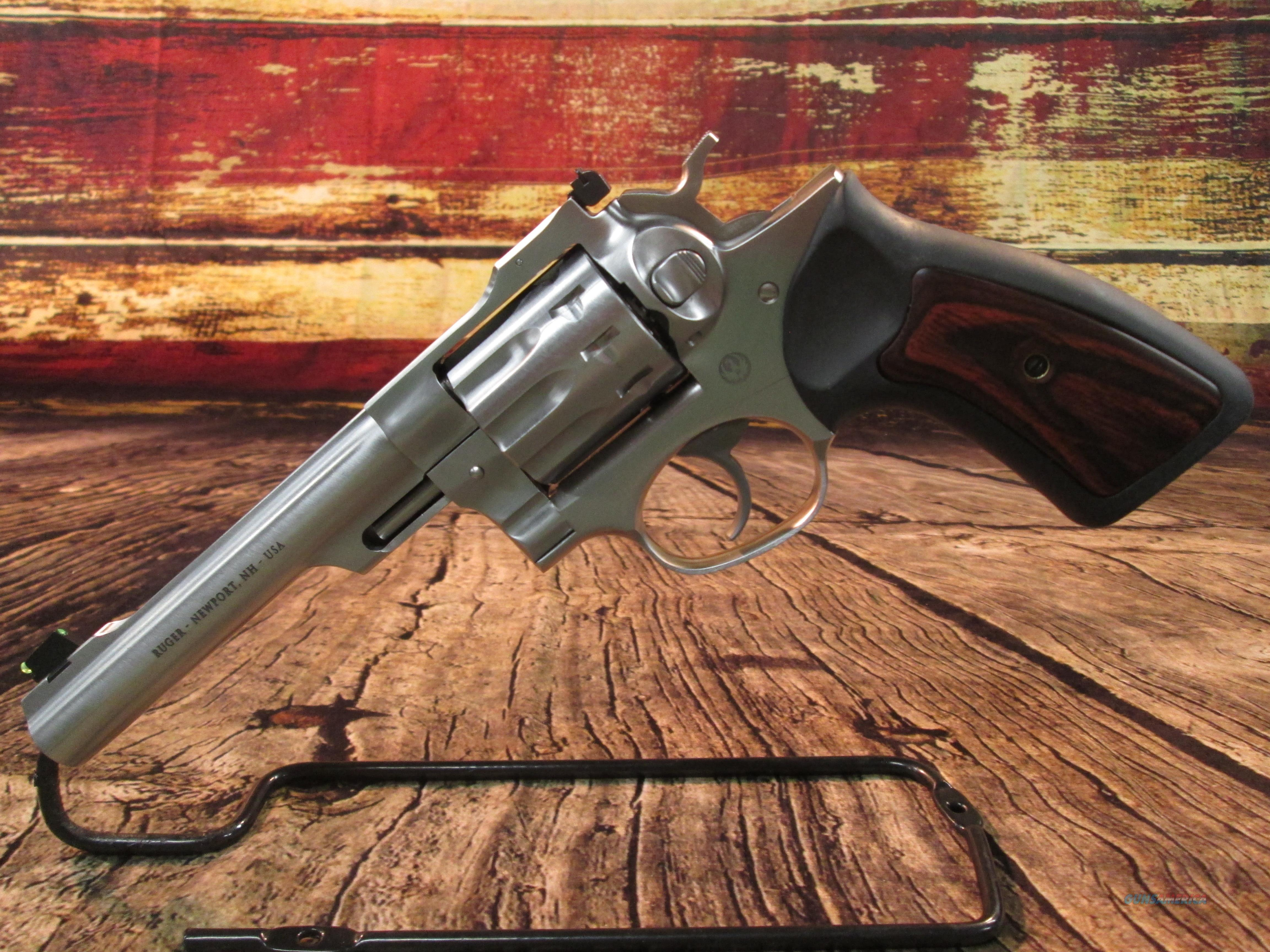"RUGER GP100 STAINLESS .22 LR 5.5"" BARREL 10 SHOT USED EXCELLENT CONDITION (62592)  Guns > Pistols > Ruger Double Action Revolver > GP100"