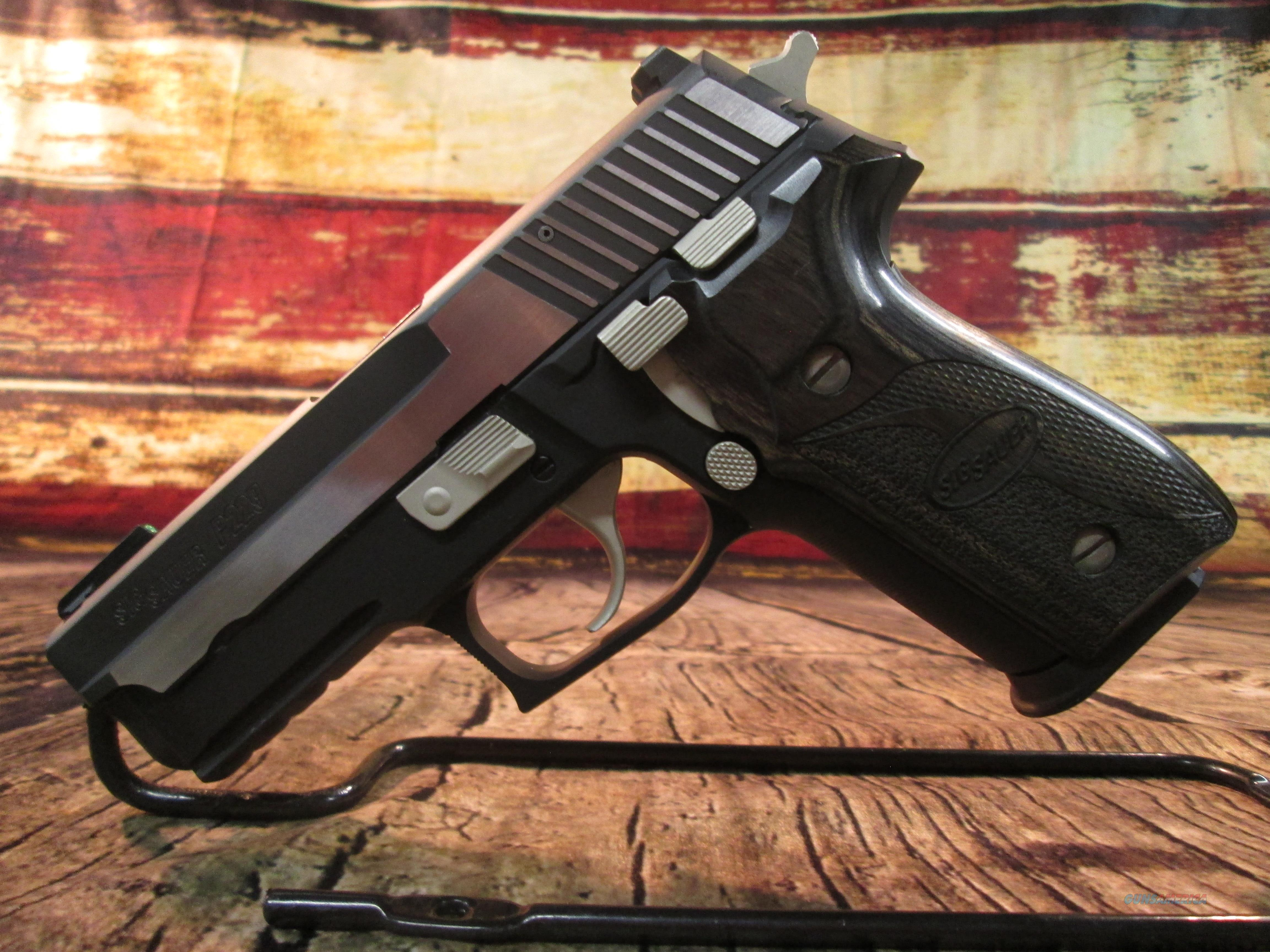 SIG SAUER P229 EQUINOX 9MM WITH SIG LASER BLACKENED STAINLESS USED (62660)   Guns > Pistols > Sig - Sauer/Sigarms Pistols > P229