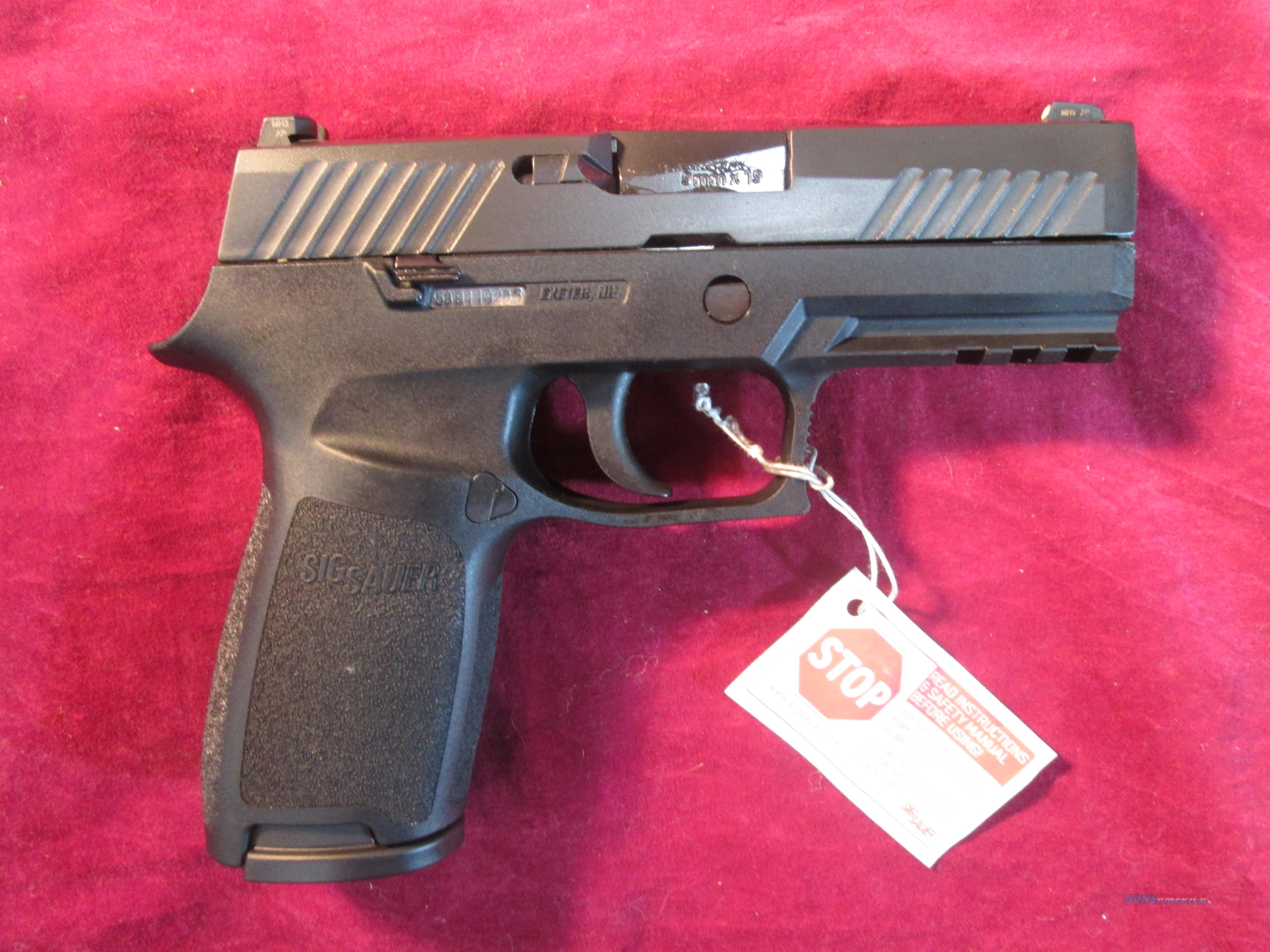 SIG SAUER P320 CARRY 9MM STRIKER FIRED PISTOL W/ NIGHT SIGHTS NEW (320CA-9-BSS)    Guns > Pistols > Sig - Sauer/Sigarms Pistols > P320