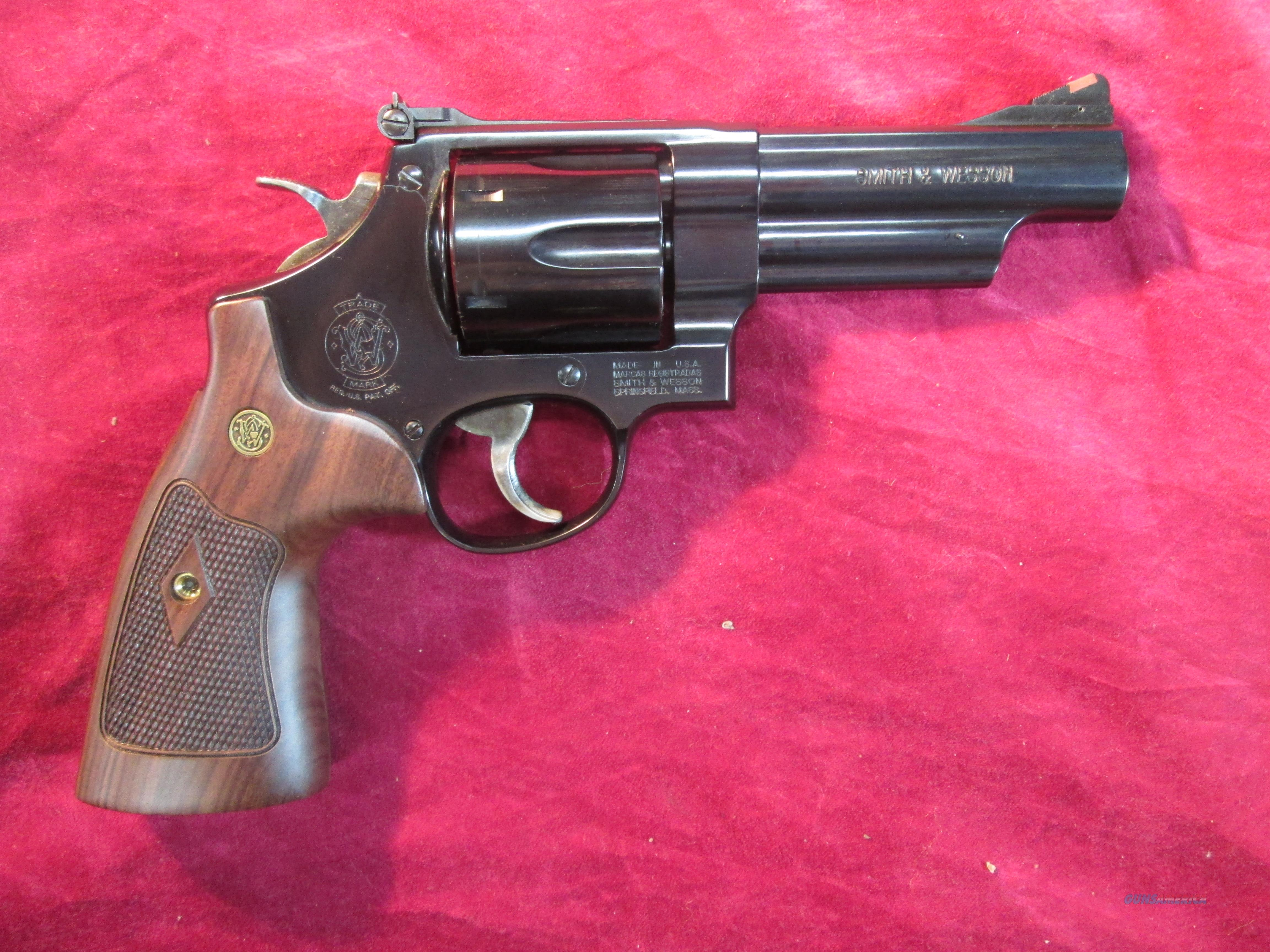 "SMITH AND WESSON MODEL 29 CLASSIC 4"" 44MAG NEW (150254)  Guns > Pistols > Smith & Wesson Revolvers > Full Frame Revolver"