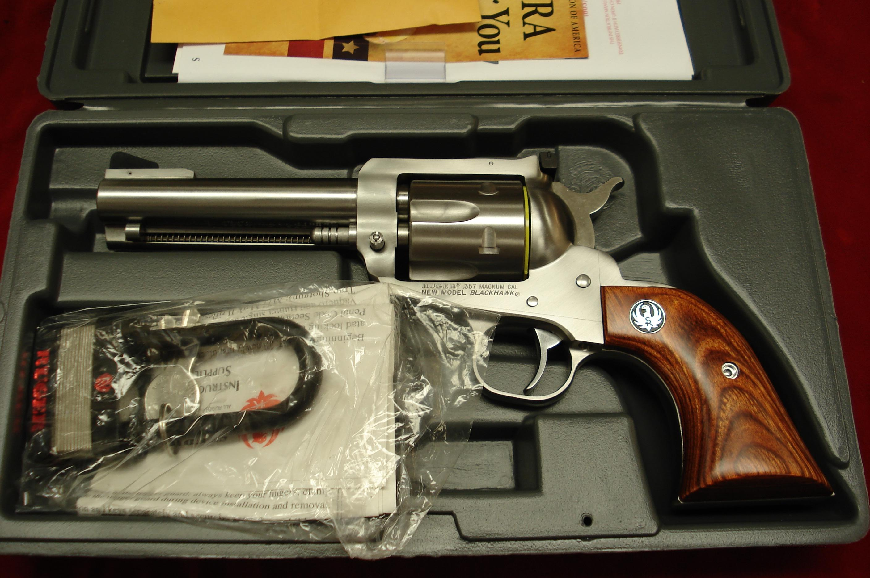 "RUGER  BLACKHAWK 357MAG 4 5/8"" STAINLESS NEW (KBN-34) ( 00309 )  Guns > Pistols > Ruger Single Action Revolvers > Blackhawk Type"