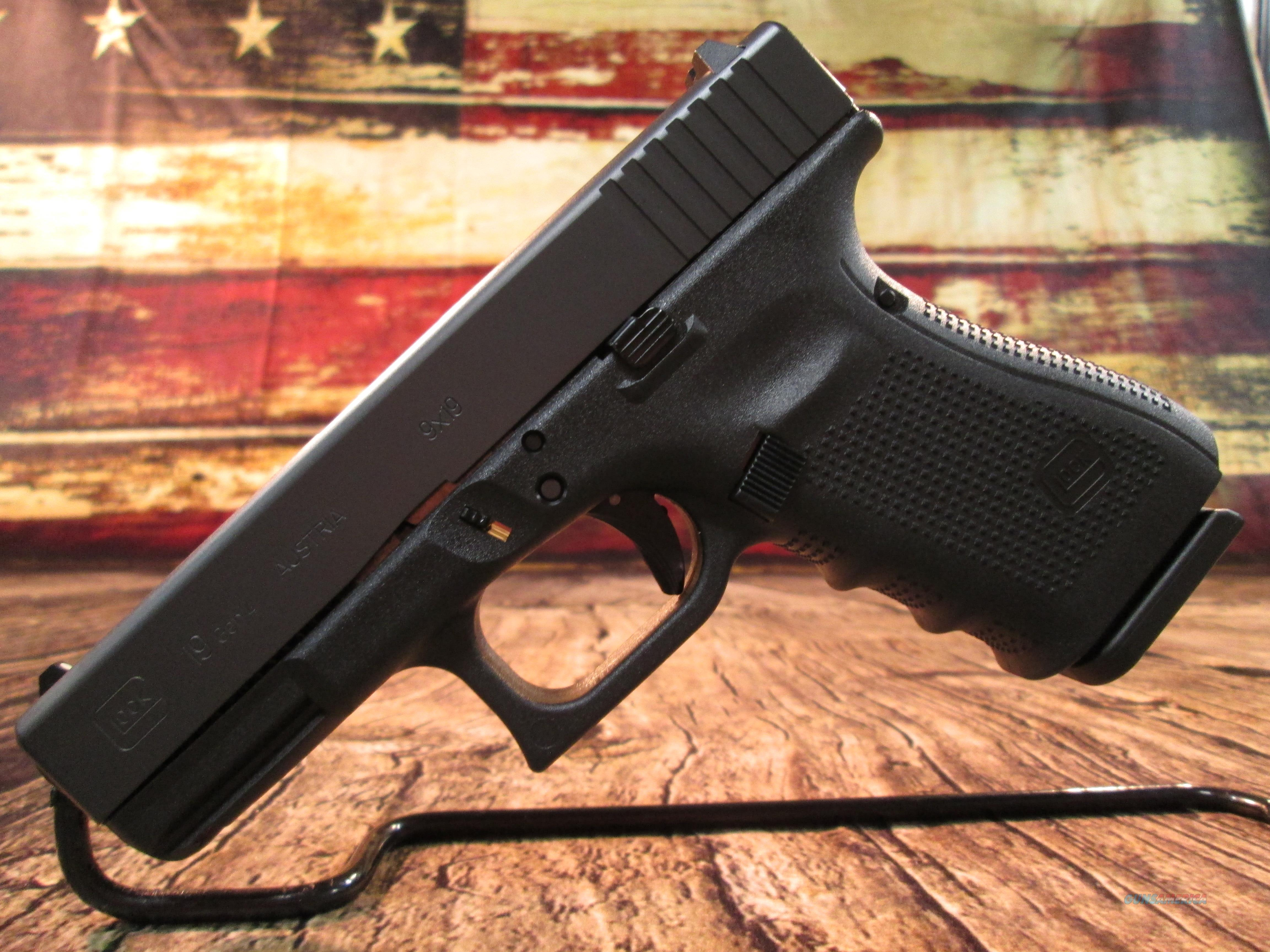 GLOCK NEW MODEL 19 GENERATION 4 .9MM CAL. WITH 3 HIGH CAPACITY MAGAZINES NEW (PG1950203)  Guns > Pistols > Glock Pistols > 19