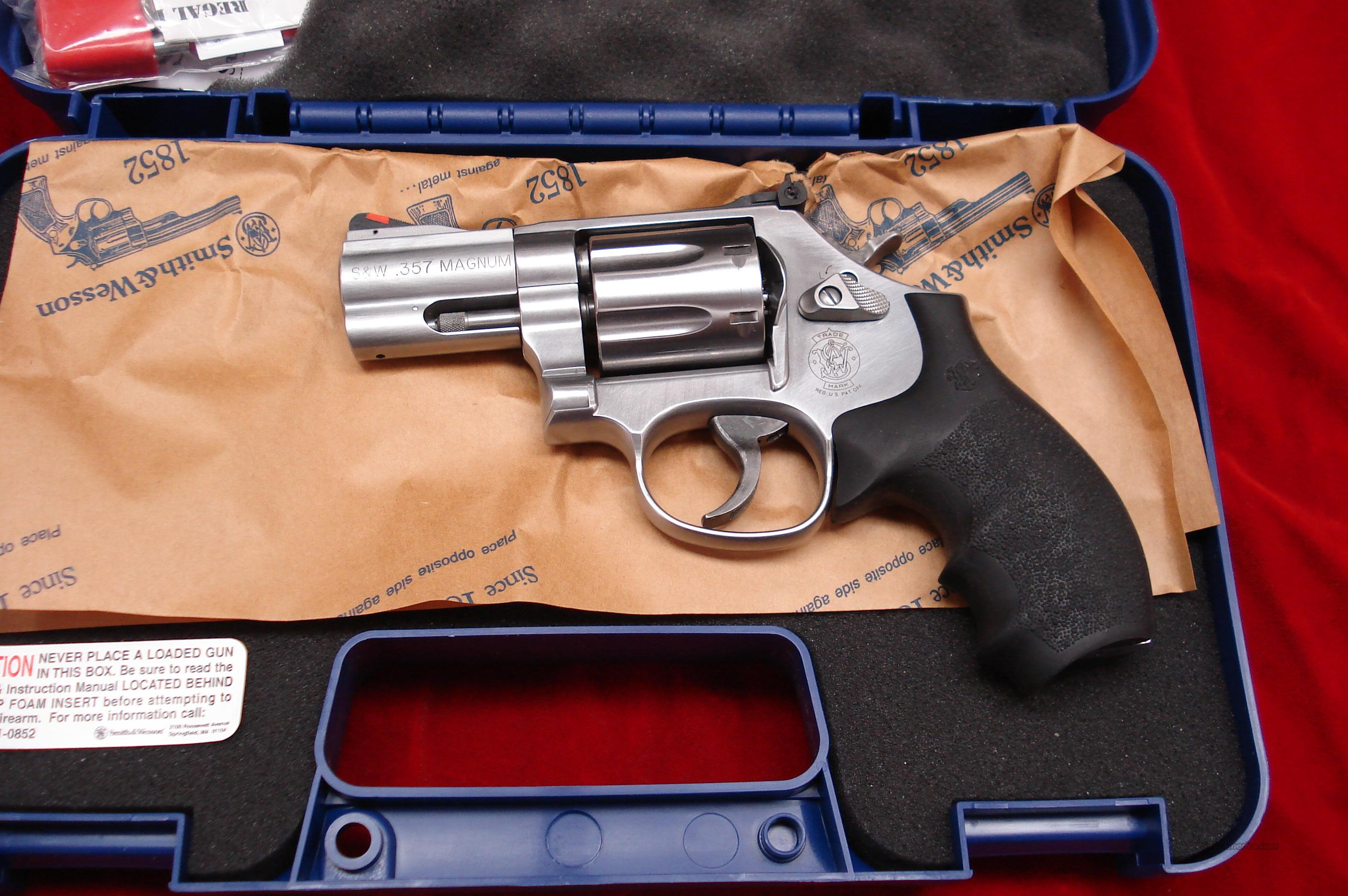 "SMITH AND WESSON MODEL 686 PLUS 2.5"" 357MAG STAINLESS NEW   (164192)  Guns > Pistols > Smith & Wesson Revolvers > Full Frame Revolver"