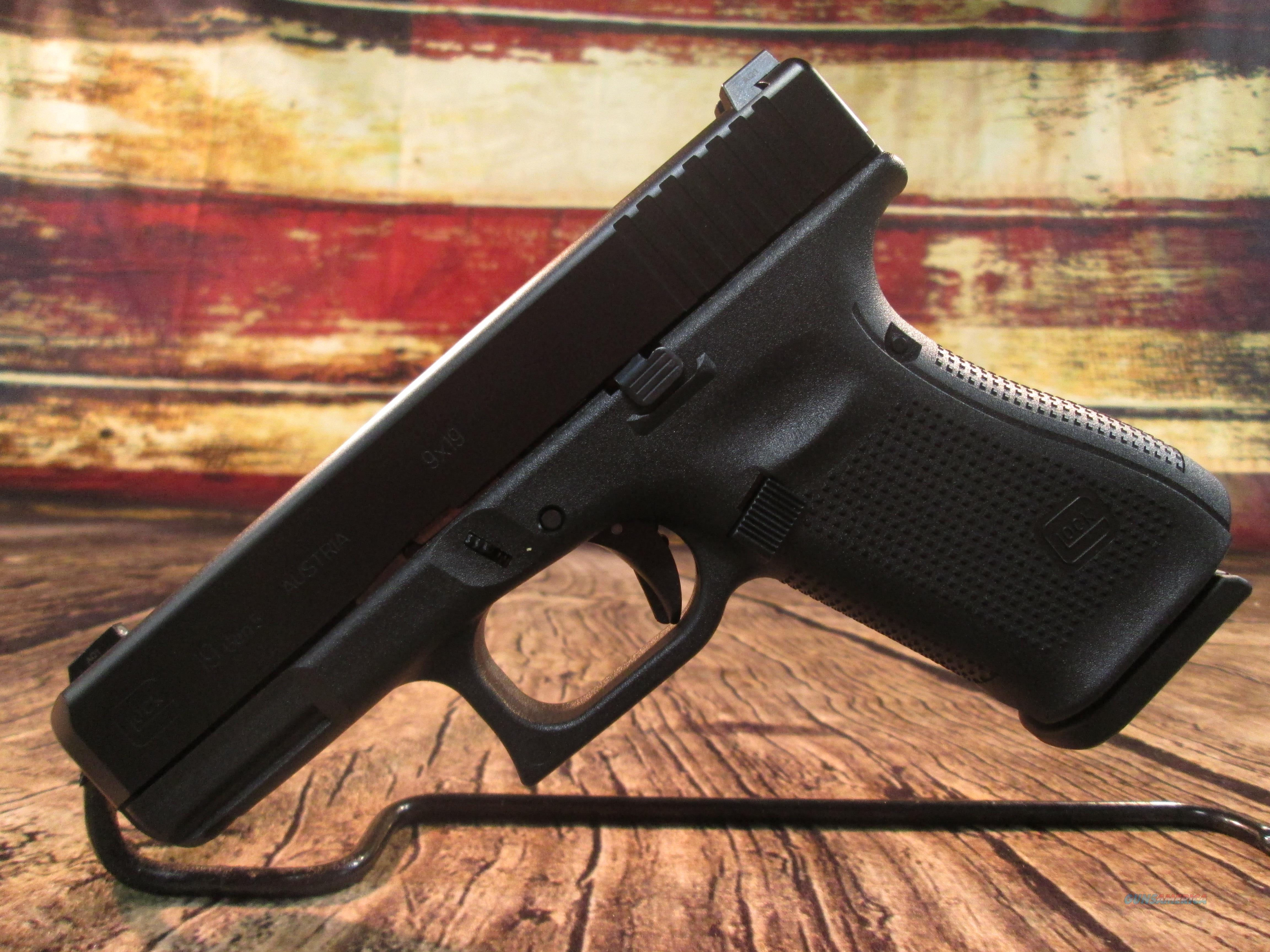 Glock Model 19 Gen 5 W/ Night Sights .9mm New (PA1950703)  Guns > Pistols > Glock Pistols > 19