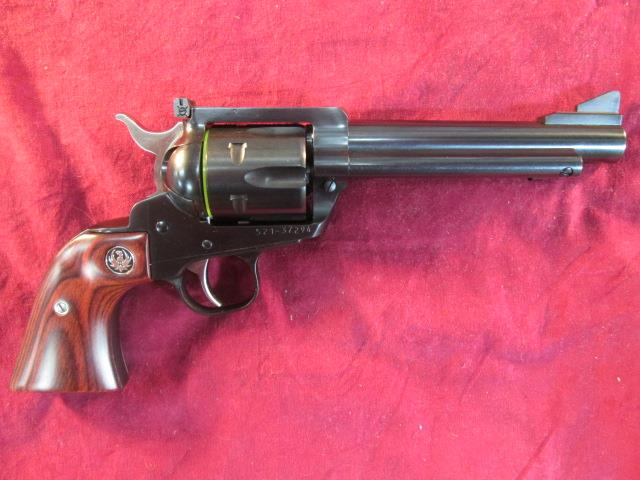 RUGER FLAT TOP CONVERTIBLE 357/9MM BLUED NEW   (05246)  Guns > Pistols > Ruger Single Action Revolvers > Blackhawk Type