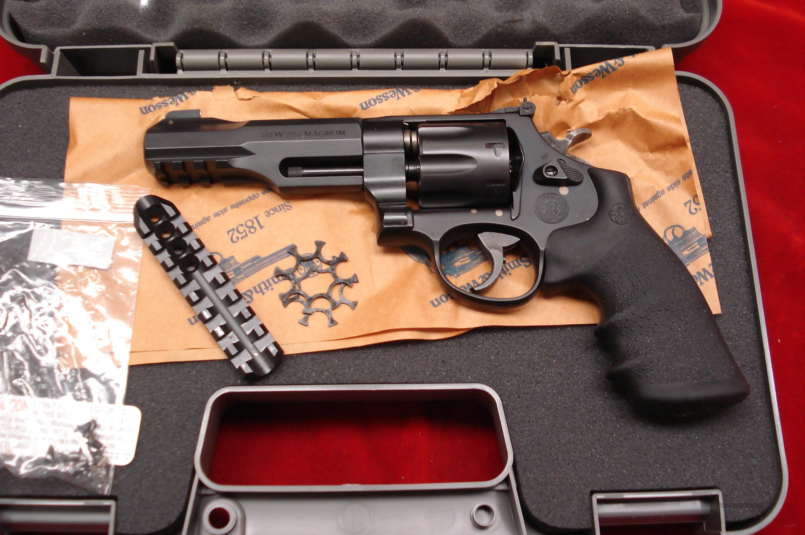 "SMITH AND WESSON MODEL 327 M&PR8 PERFORMANCE CENTER 357MAG. 5"" NEW  (170292)  Guns > Pistols > Smith & Wesson Revolvers > Performance Center"