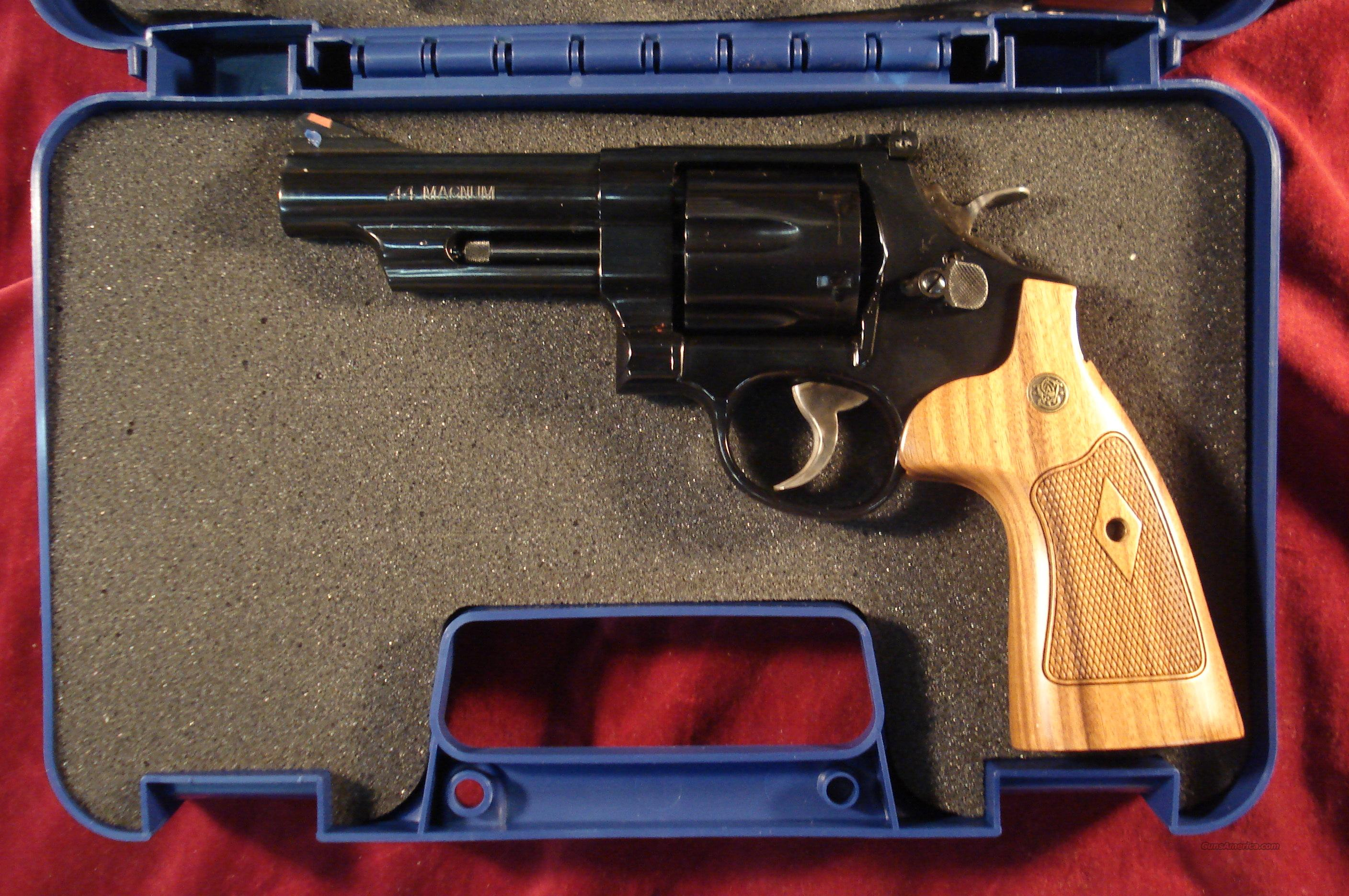 "SMITH AND WESSON MODEL 29 CLASSIC BLUE 44 MAG. 4"" BARREL NEW  Guns > Pistols > Smith & Wesson Revolvers > Model 629"