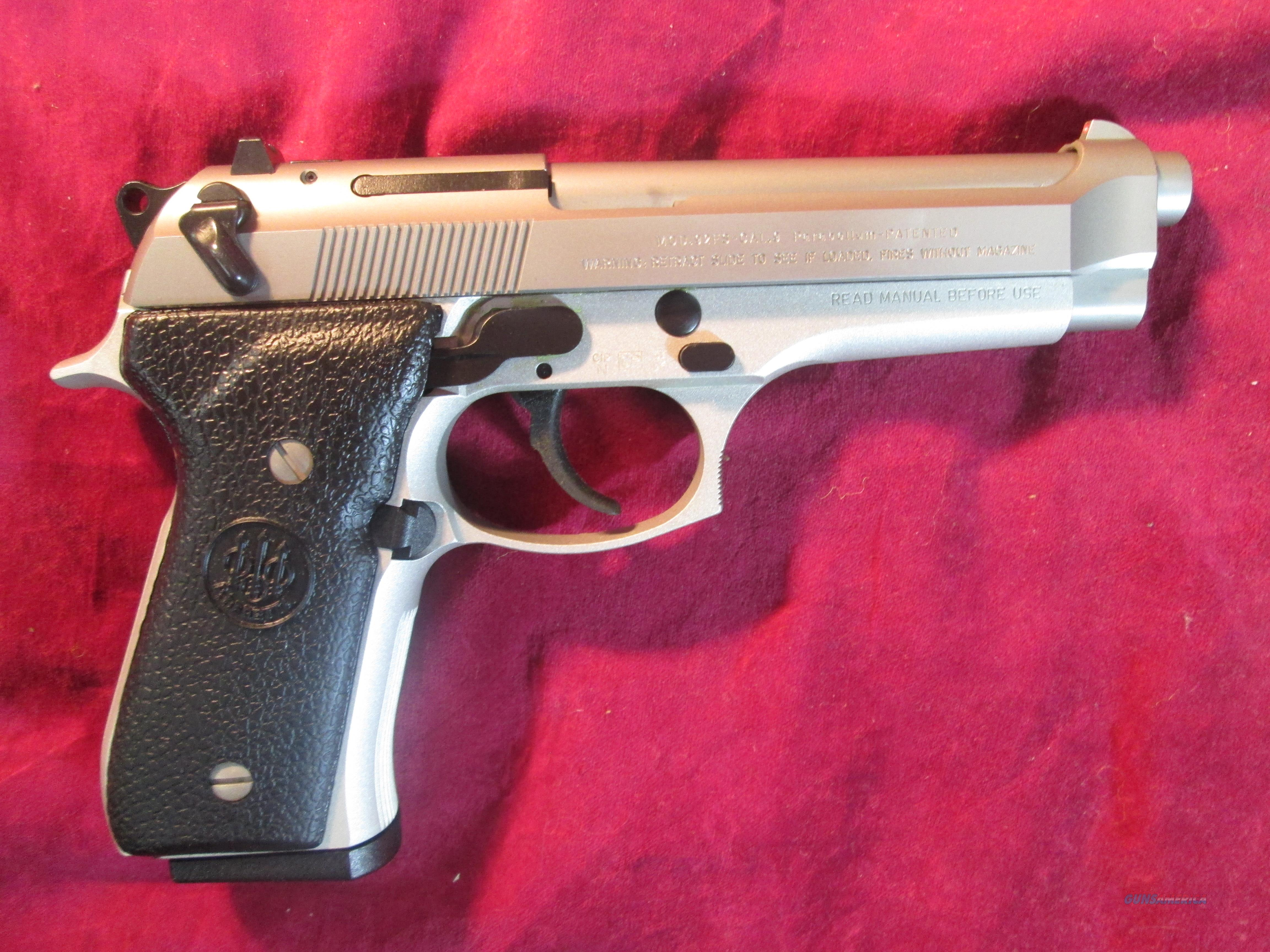 BERETTA 92FS STAINLESS INOX 9MM NEW (JS92F520M)  Guns > Pistols > Beretta Pistols > Model 92 Series