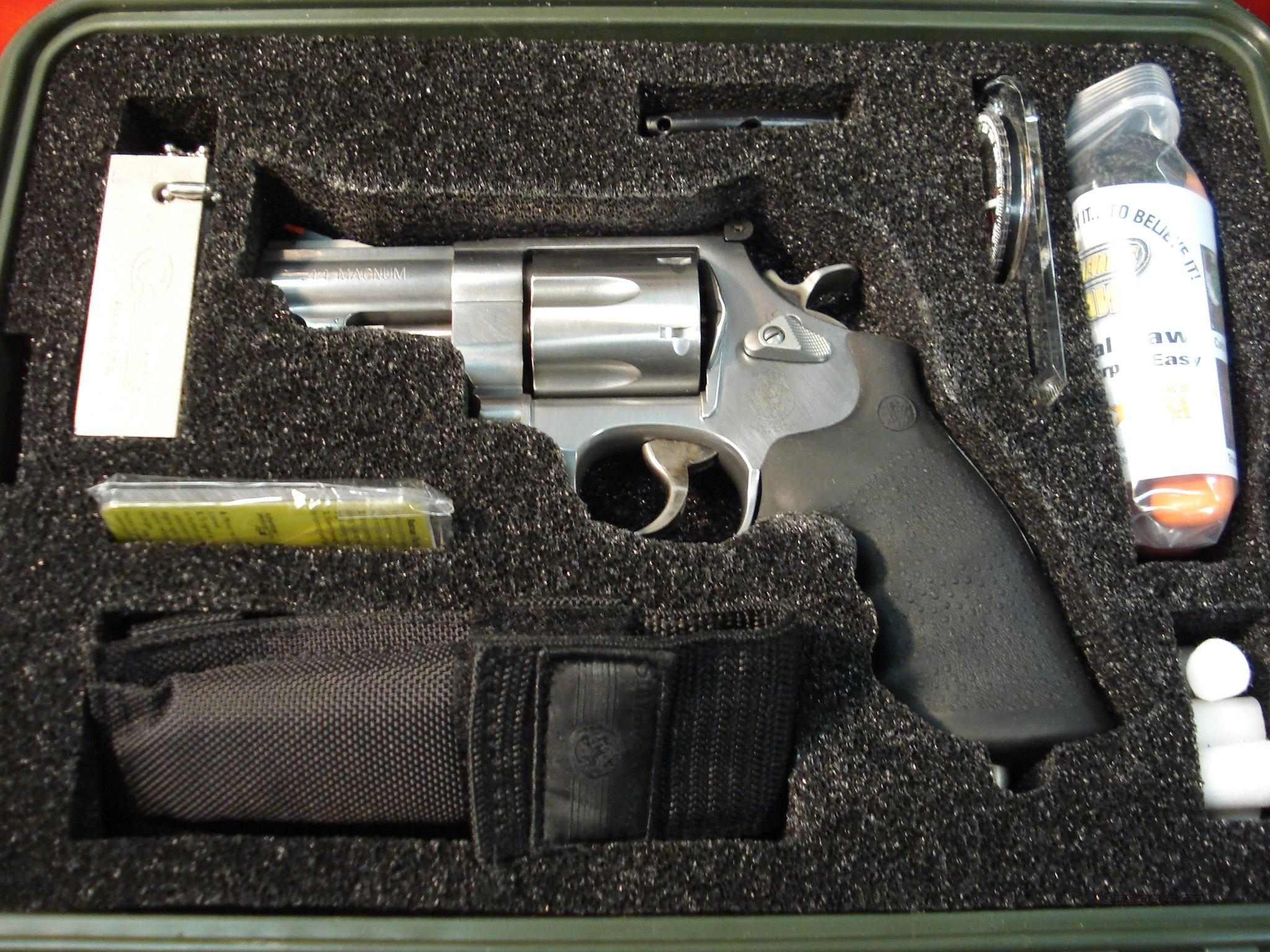 SMITH & WESSON 629 EMERGENCY SURVIVAL TOOL KIT   Guns > Pistols > Smith & Wesson Revolvers > Model 629