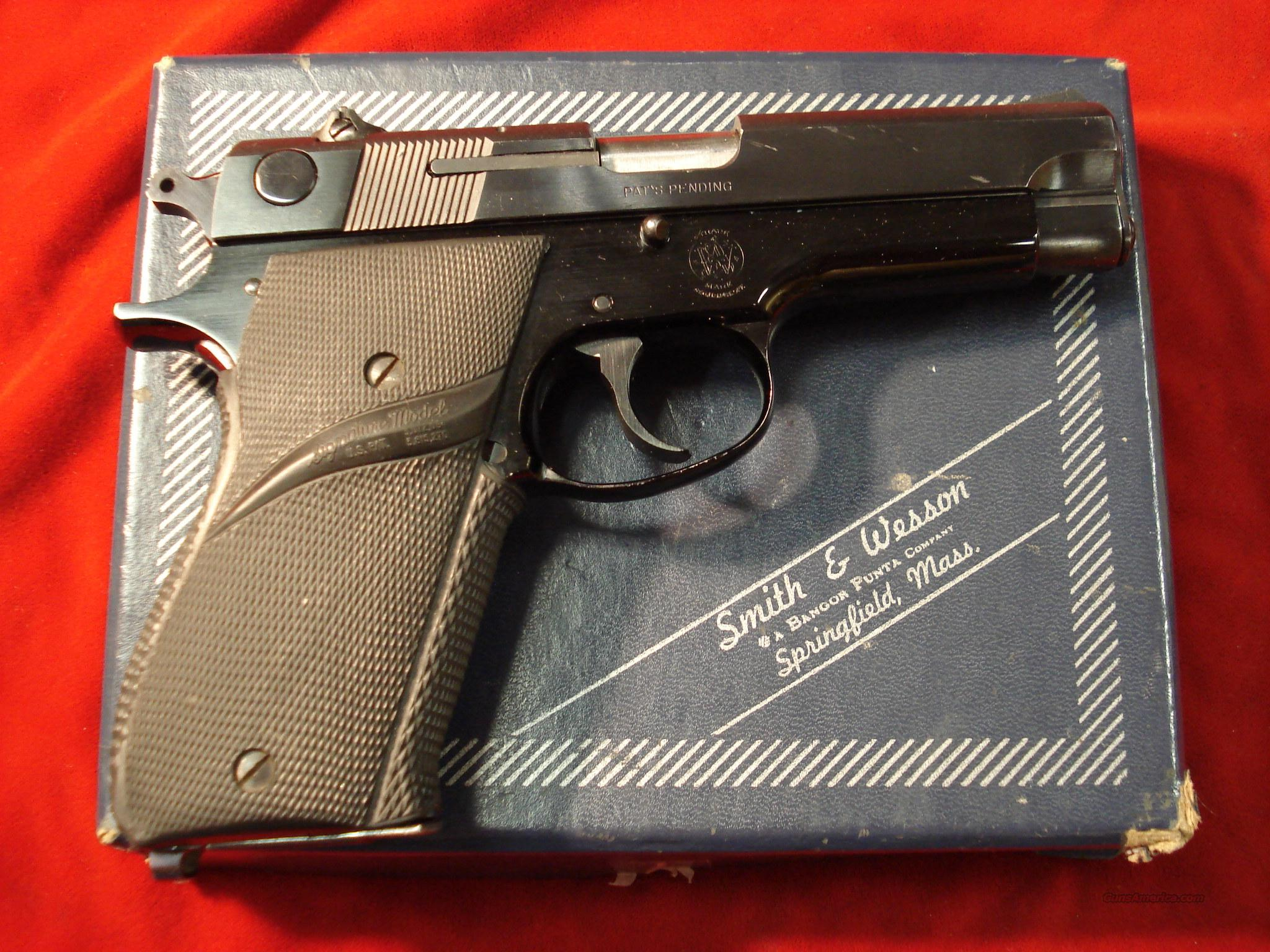 SMITH AND WESSON MODEL 39 9MM USED WITH BOX AND X-TRA MAGS  Guns > Pistols > Smith & Wesson Pistols - Autos > Alloy Frame