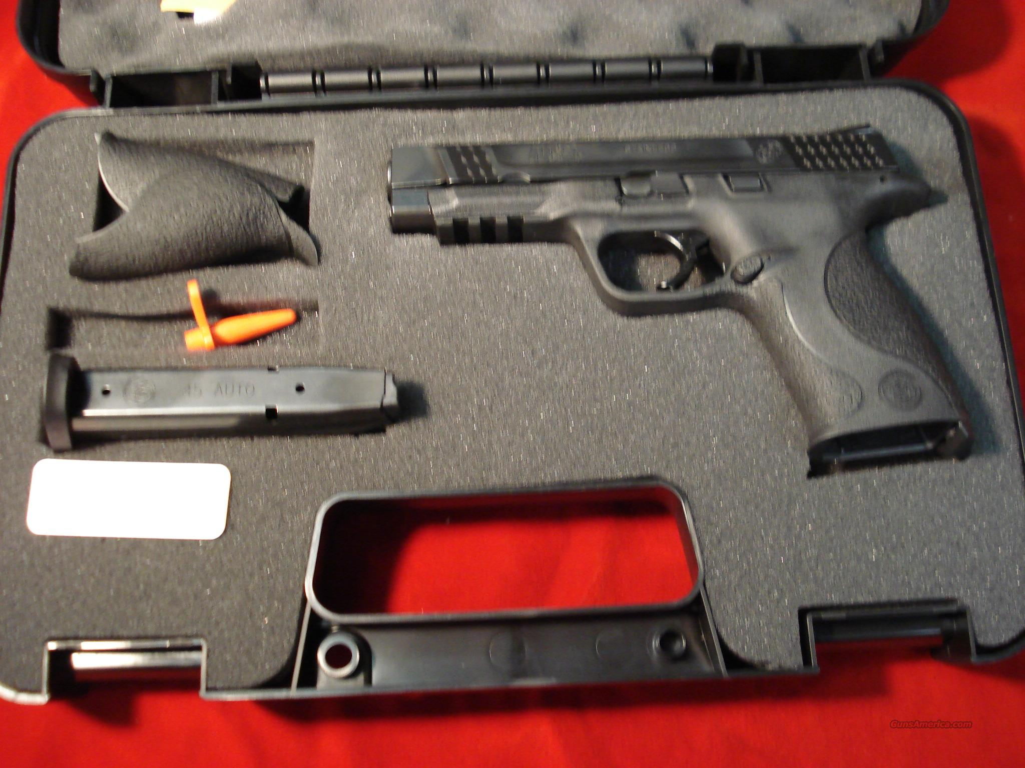SMITH AND WESSON M&P 45ACP NEW {{ REBATE !! }}  Guns > Pistols > Smith & Wesson Pistols - Autos > Polymer Frame