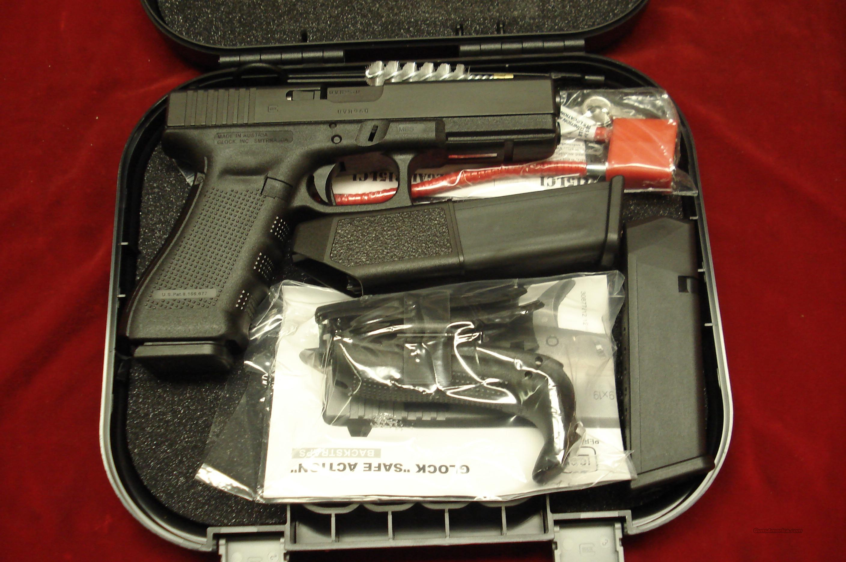 GLOCK MODEL 17 GENERATION 4 9MM WITH 3 SEVENTEEN ROUND MAGAZINES NEW   Guns > Pistols > Glock Pistols > 17
