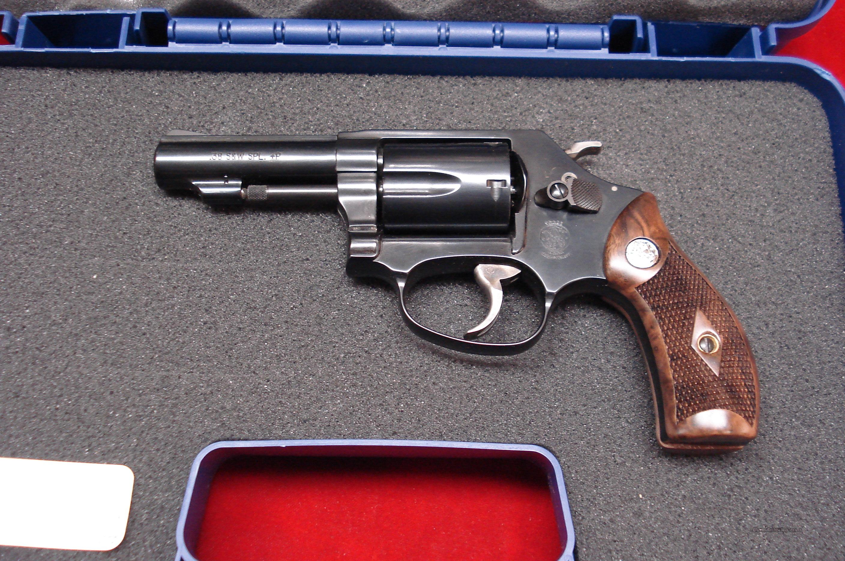 SMITH AND WESSON MODEL MODEL 36 CLASSIC 38SPL. BLUE NEW   Guns > Pistols > Smith & Wesson Revolvers > Pocket Pistols