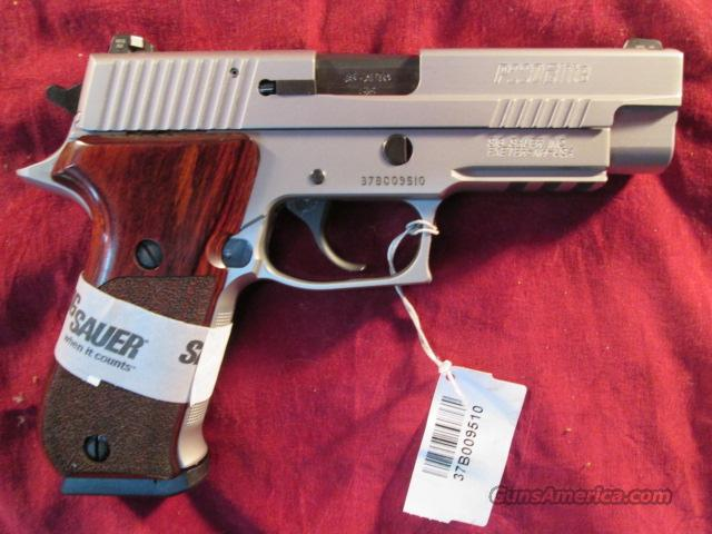 SIG SAUER P220 ELITE 45ACP STAINLESS WITH NIGHT SIGHTS NEW .  Guns > Pistols > Sig - Sauer/Sigarms Pistols > P220