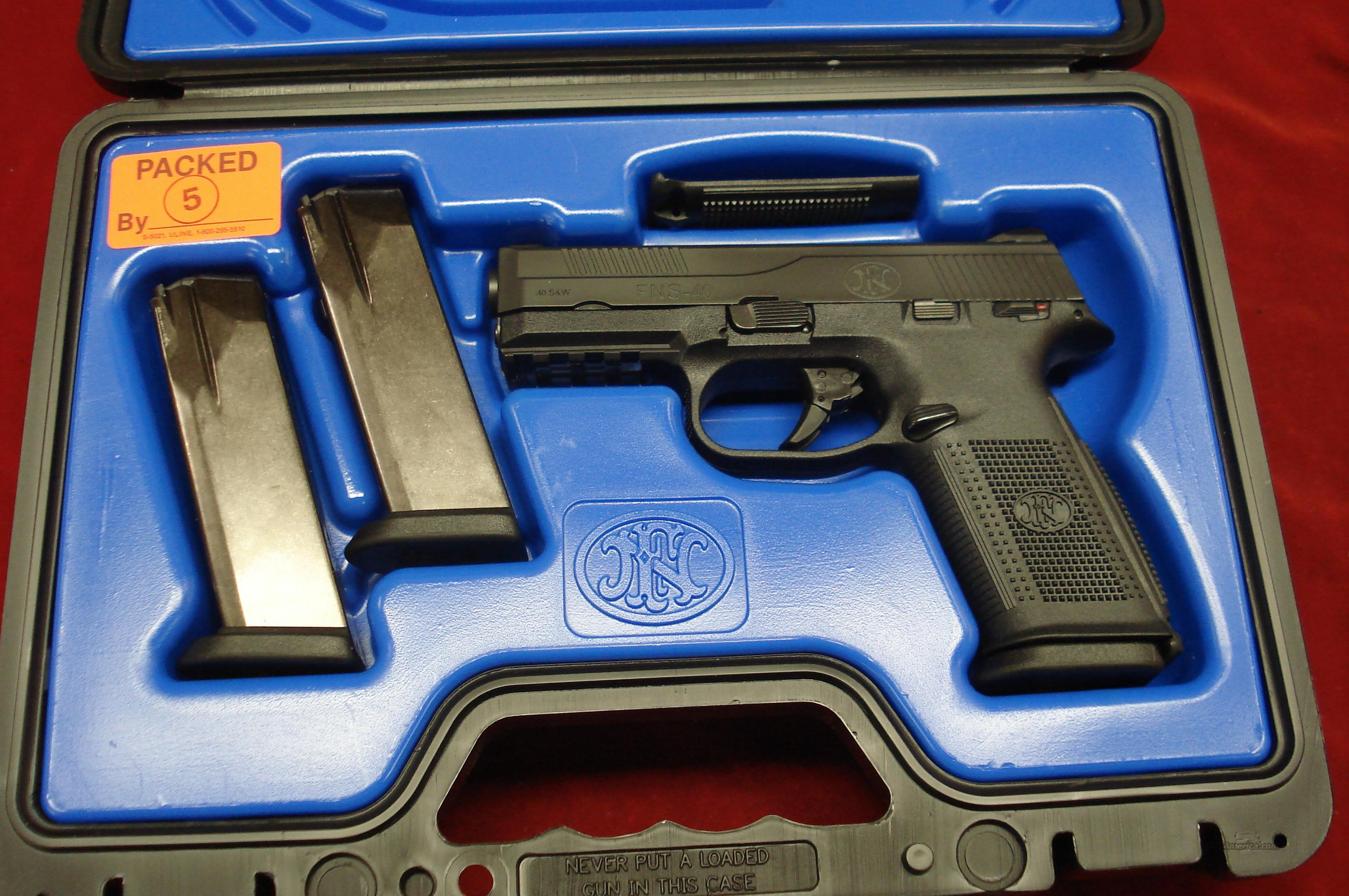 FN FNS-40 .40CAL. WITH 3 HIGH CAP. MAGAZINES NEW  (66940)   Guns > Pistols > FNH - Fabrique Nationale (FN) Pistols > FNP