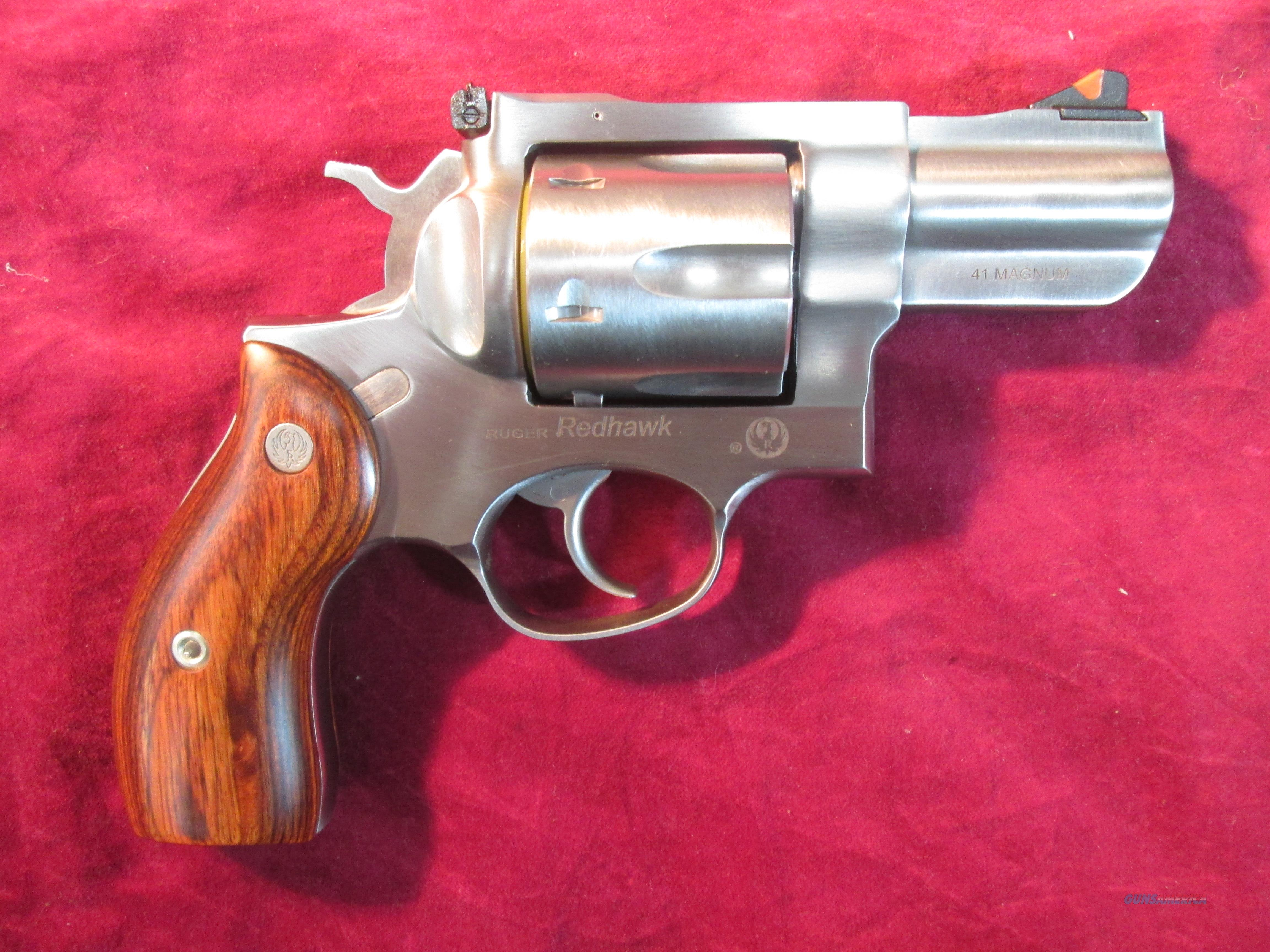 "RUGER REDHAWK 41MAGNUM 2.7"" STAINLESS NEW (05034)   Guns > Pistols > Ruger Double Action Revolver > Redhawk Type"