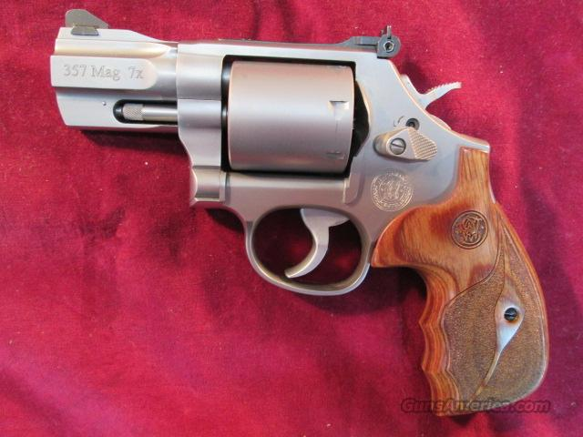 "SMITH AND WESSON PERFORMANCE CENTER 686 357MAG CAL, STAINLESS 2.5"" BARREL NEW  Guns > Pistols > Smith & Wesson Revolvers > Performance Center"